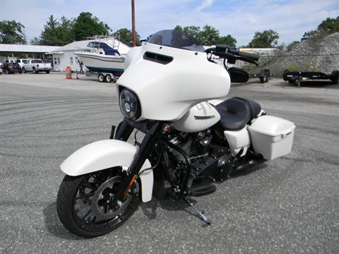2018 Harley-Davidson Street Glide® Special in Springfield, Massachusetts - Photo 8