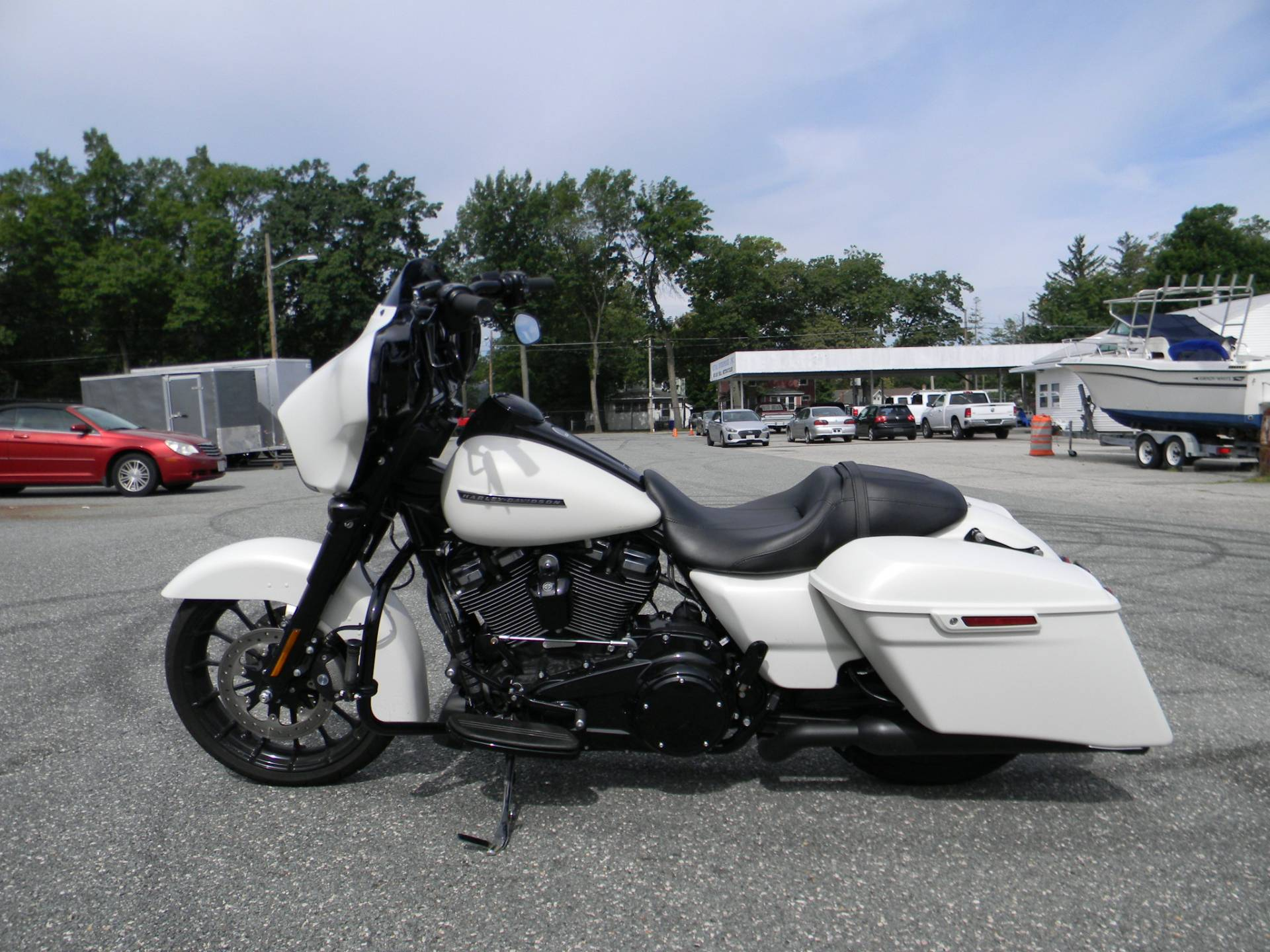 2018 Harley-Davidson Street Glide® Special in Springfield, Massachusetts - Photo 9