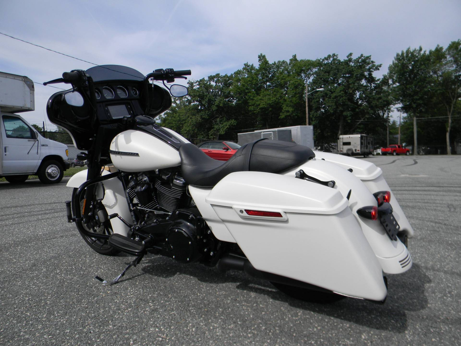 2018 Harley-Davidson Street Glide® Special in Springfield, Massachusetts - Photo 10