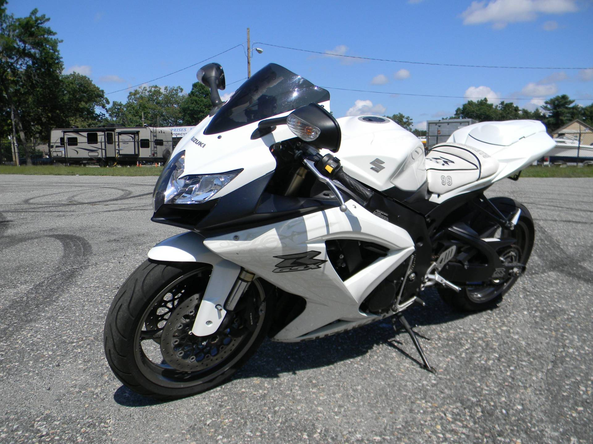 2009 Suzuki GSX-R600 in Springfield, Massachusetts - Photo 5