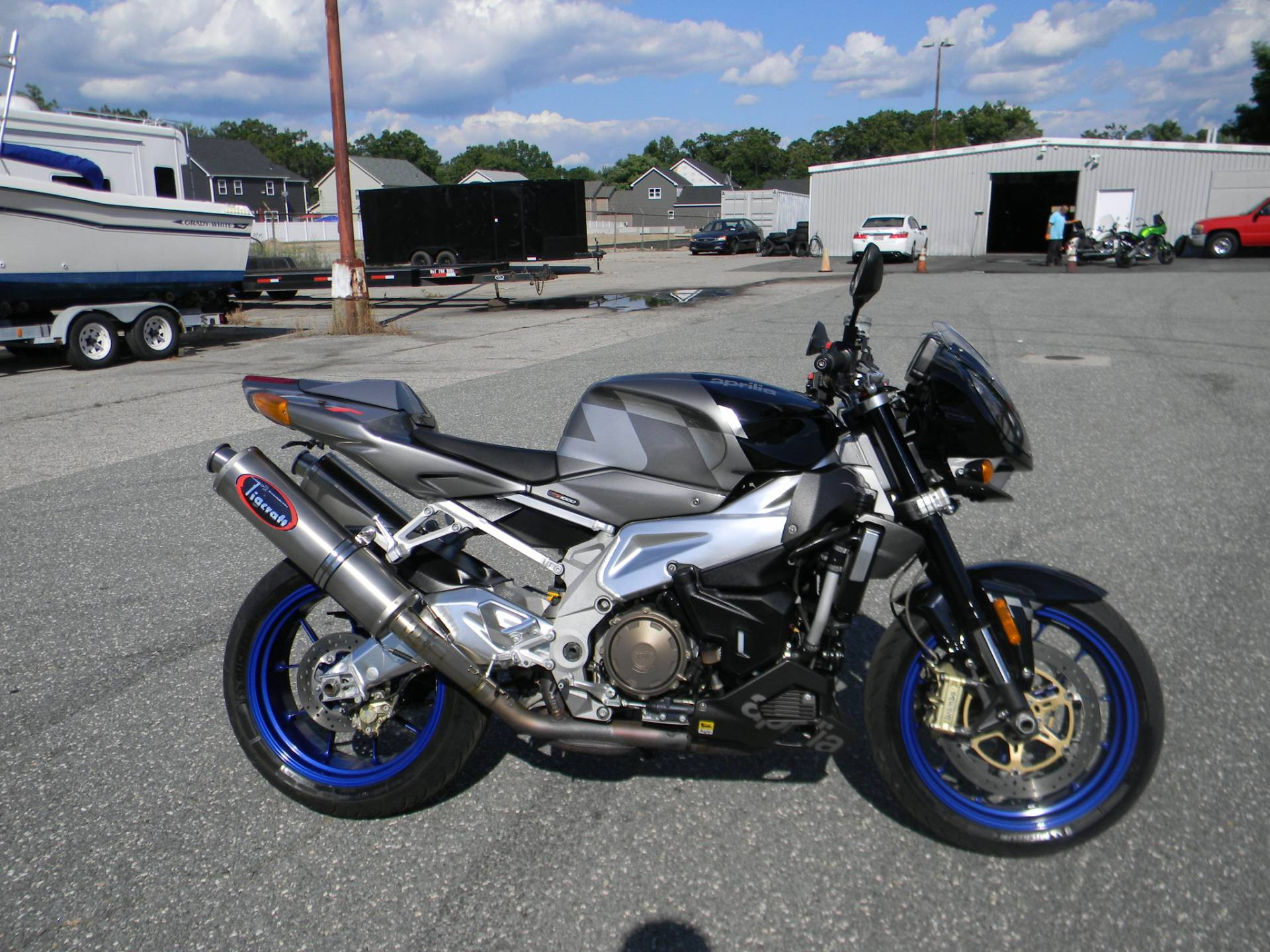 2007 Aprilia Tuono 1000 R in Springfield, Massachusetts - Photo 1