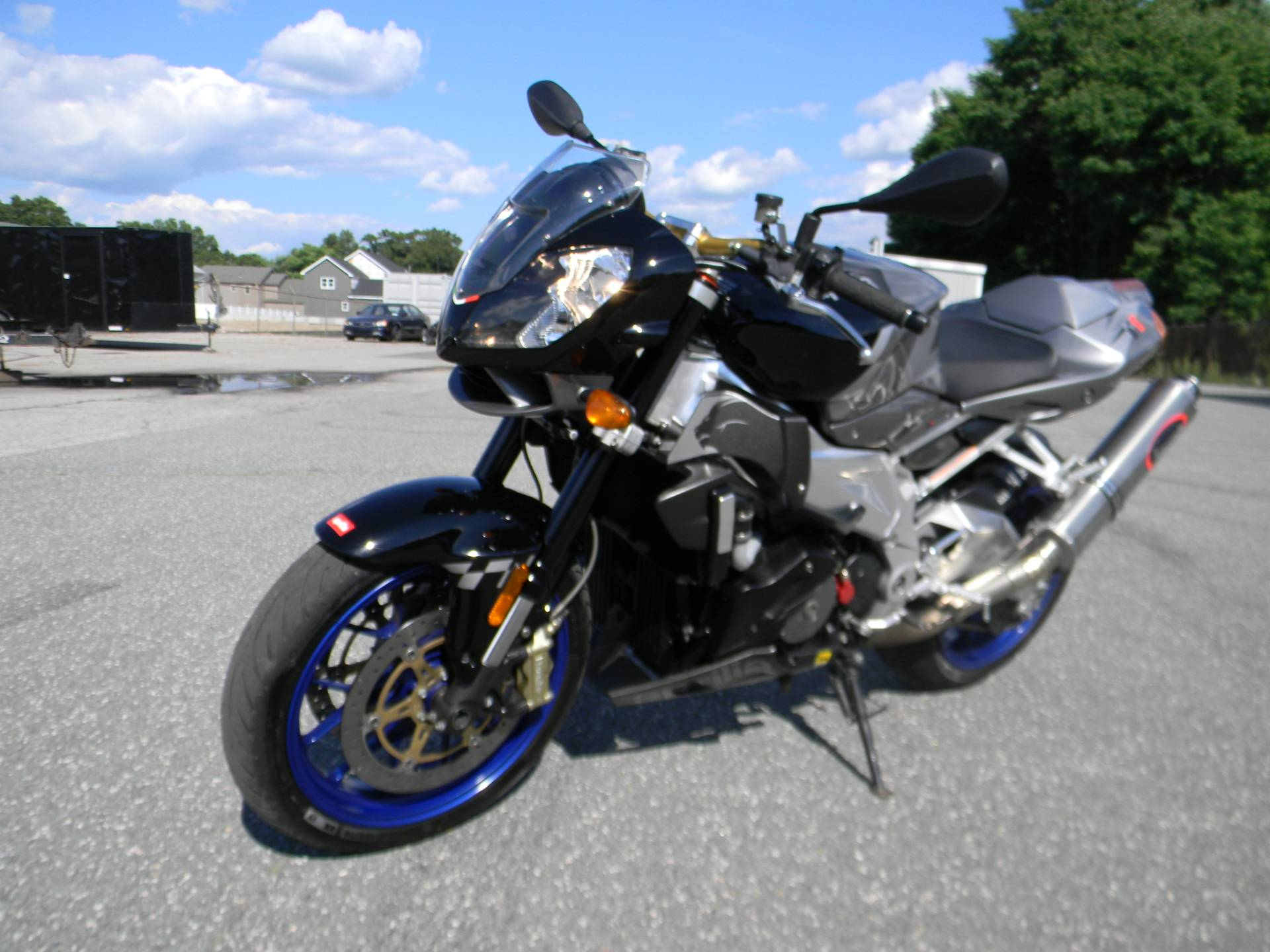 2007 Aprilia Tuono 1000 R in Springfield, Massachusetts
