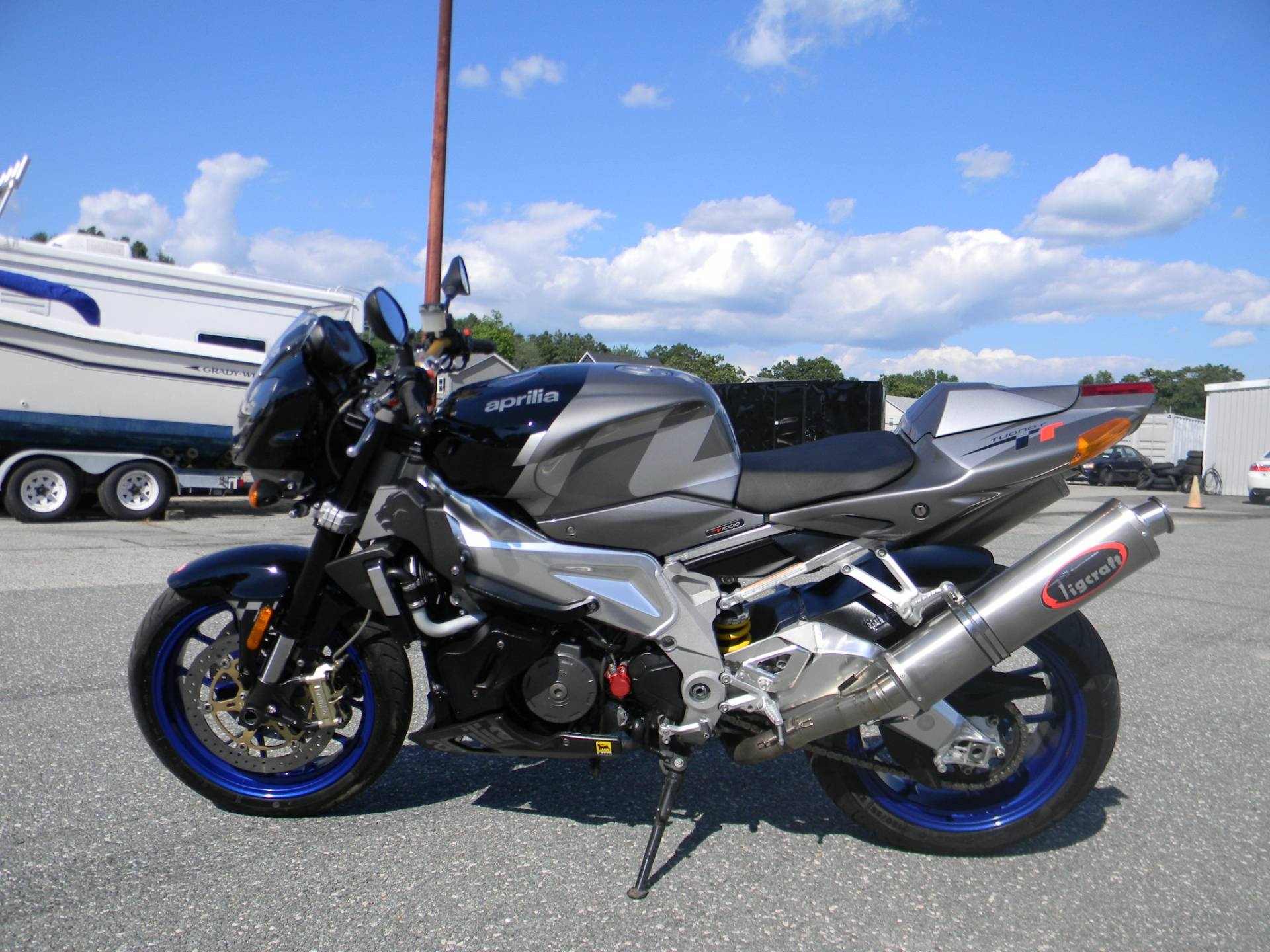 2007 Aprilia Tuono 1000 R in Springfield, Massachusetts - Photo 6