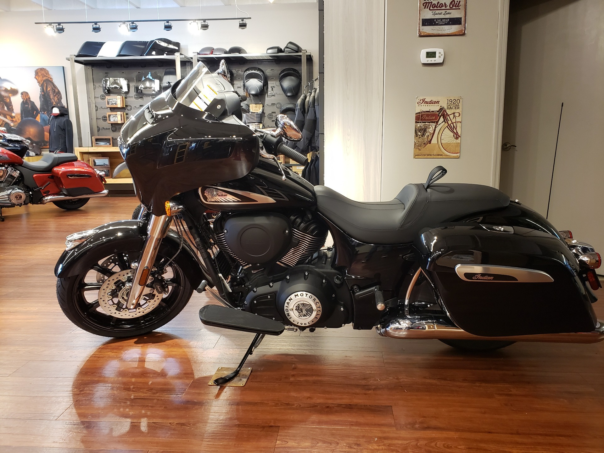 2021 Indian Chieftain® in Nashville, Tennessee - Photo 2