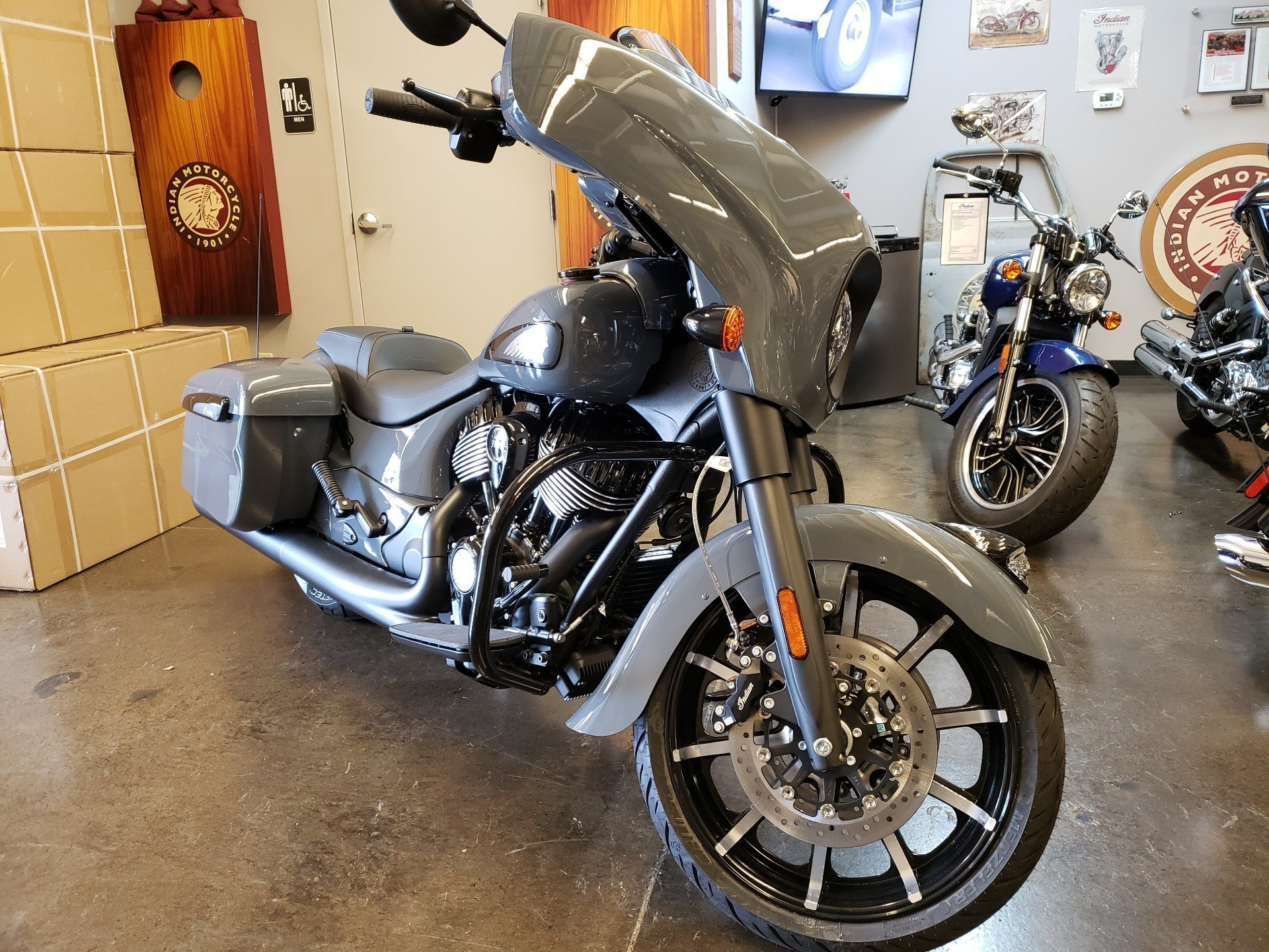 2021 Indian Chieftain® Dark Horse® Icon in Nashville, Tennessee - Photo 2