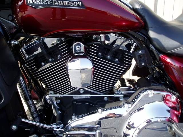 2016 Harley-Davidson Tri Glide® Ultra in Carroll, Ohio - Photo 3