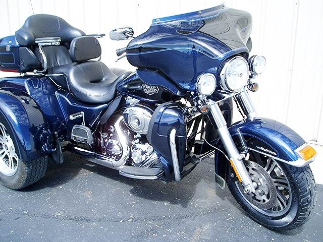 2012 Harley-Davidson Tri Glide® Ultra Classic® in Carroll, Ohio - Photo 2