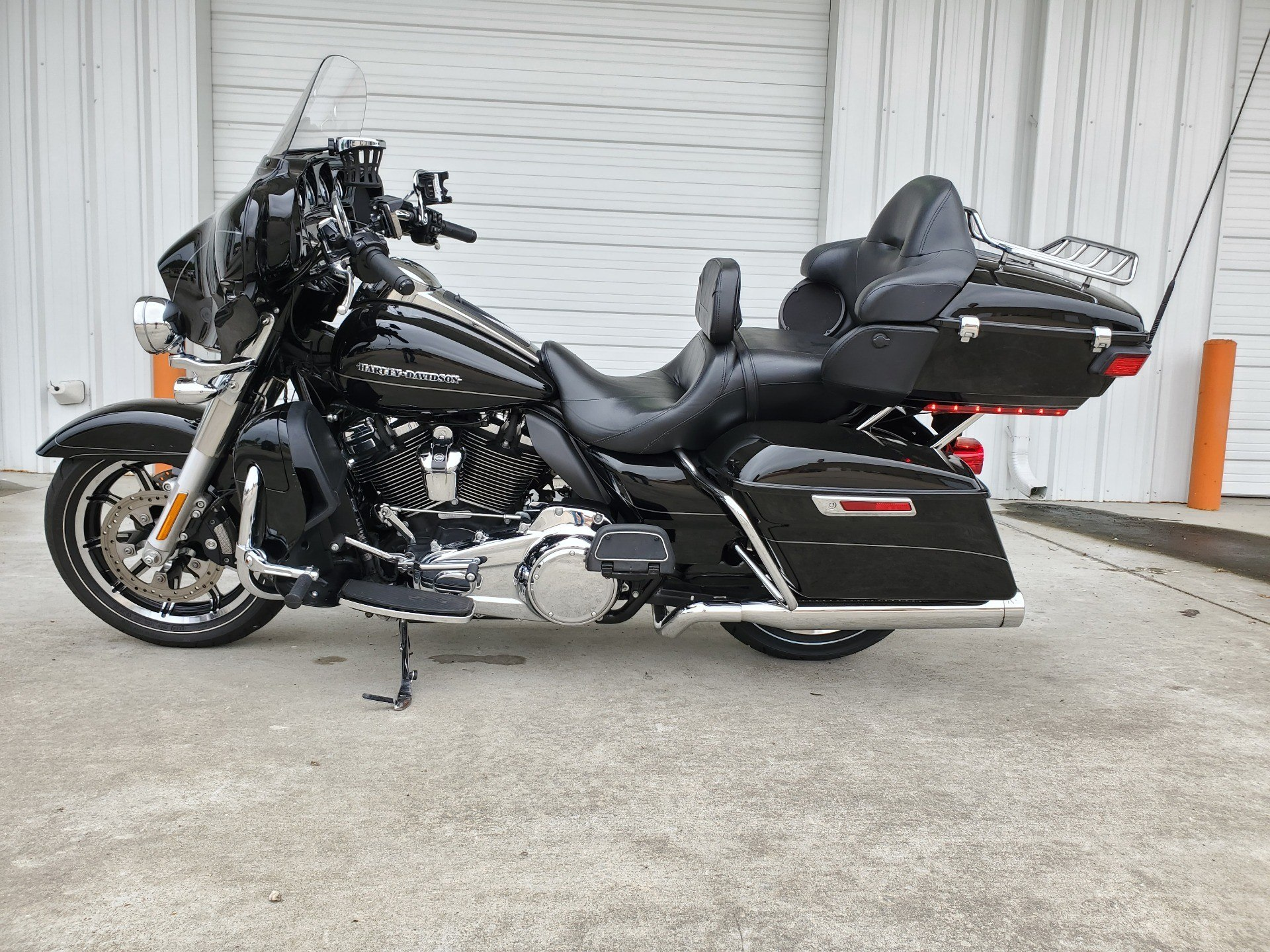 2017 Harley-Davidson Ultra Limited in Monroe, Louisiana - Photo 2