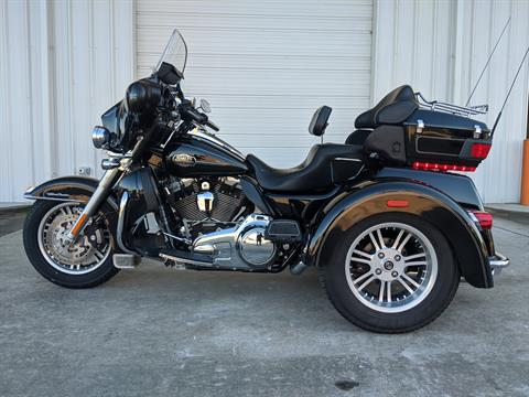 2010 Harley-Davidson Tri Glide™ Ultra Classic® in Monroe, Louisiana - Photo 2