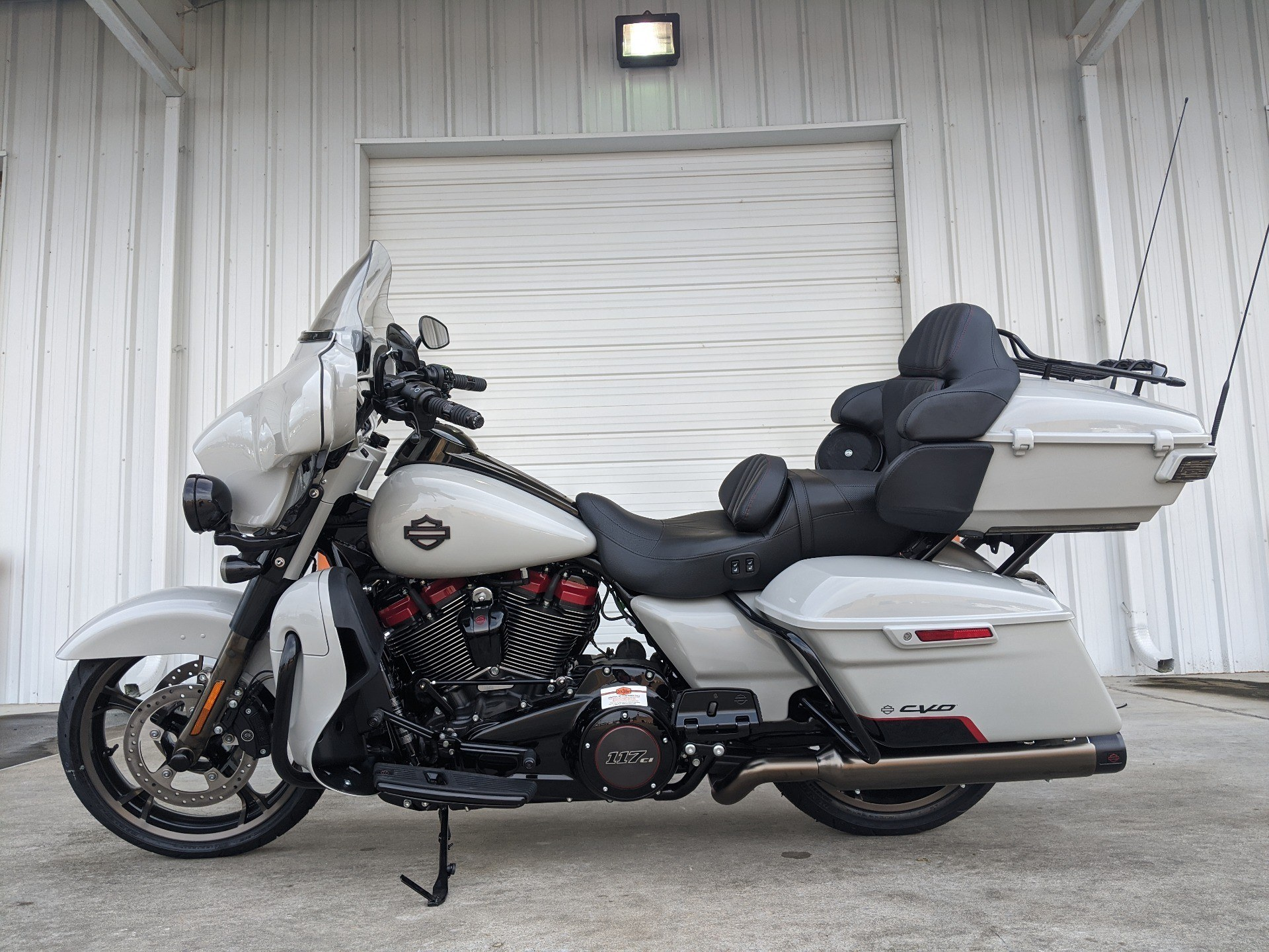 2020 Harley-Davidson CVO™ Limited in Monroe, Louisiana - Photo 2
