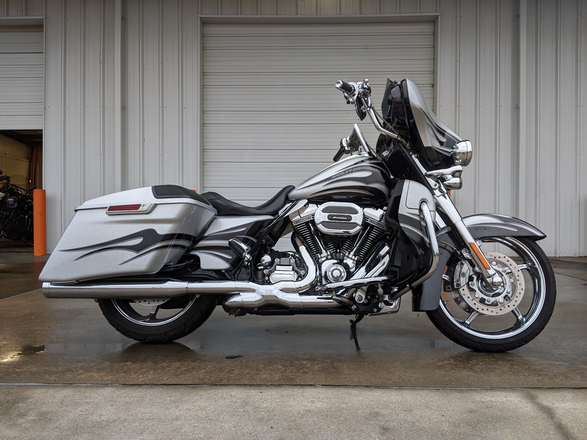 2015 Harley-Davidson CVO™ Street Glide® in Monroe, Louisiana - Photo 1