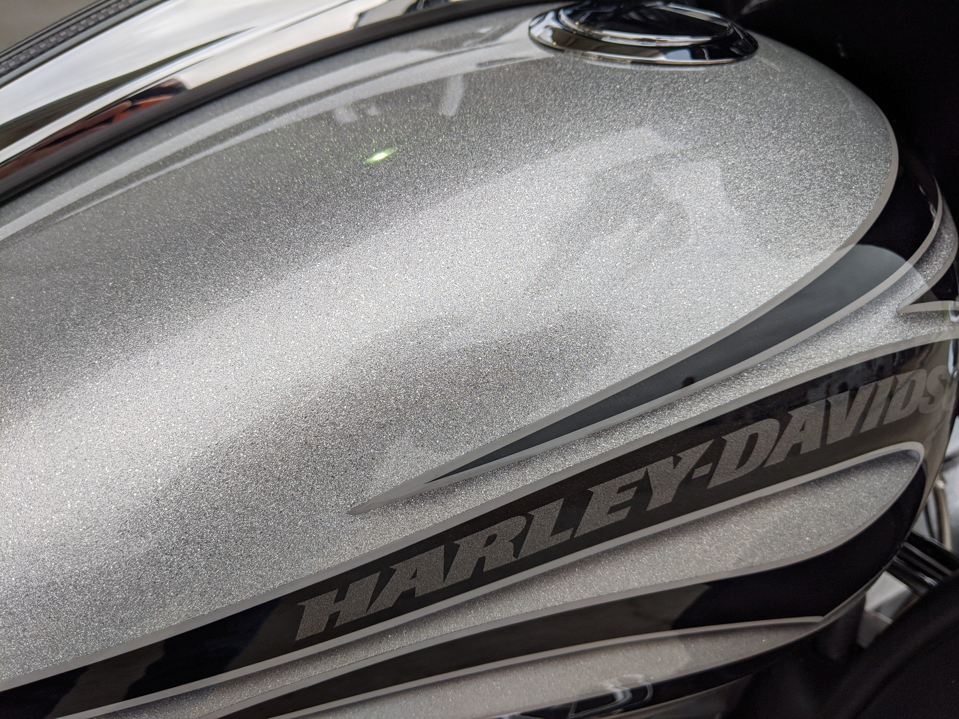 2015 Harley-Davidson CVO™ Street Glide® in Monroe, Louisiana - Photo 14