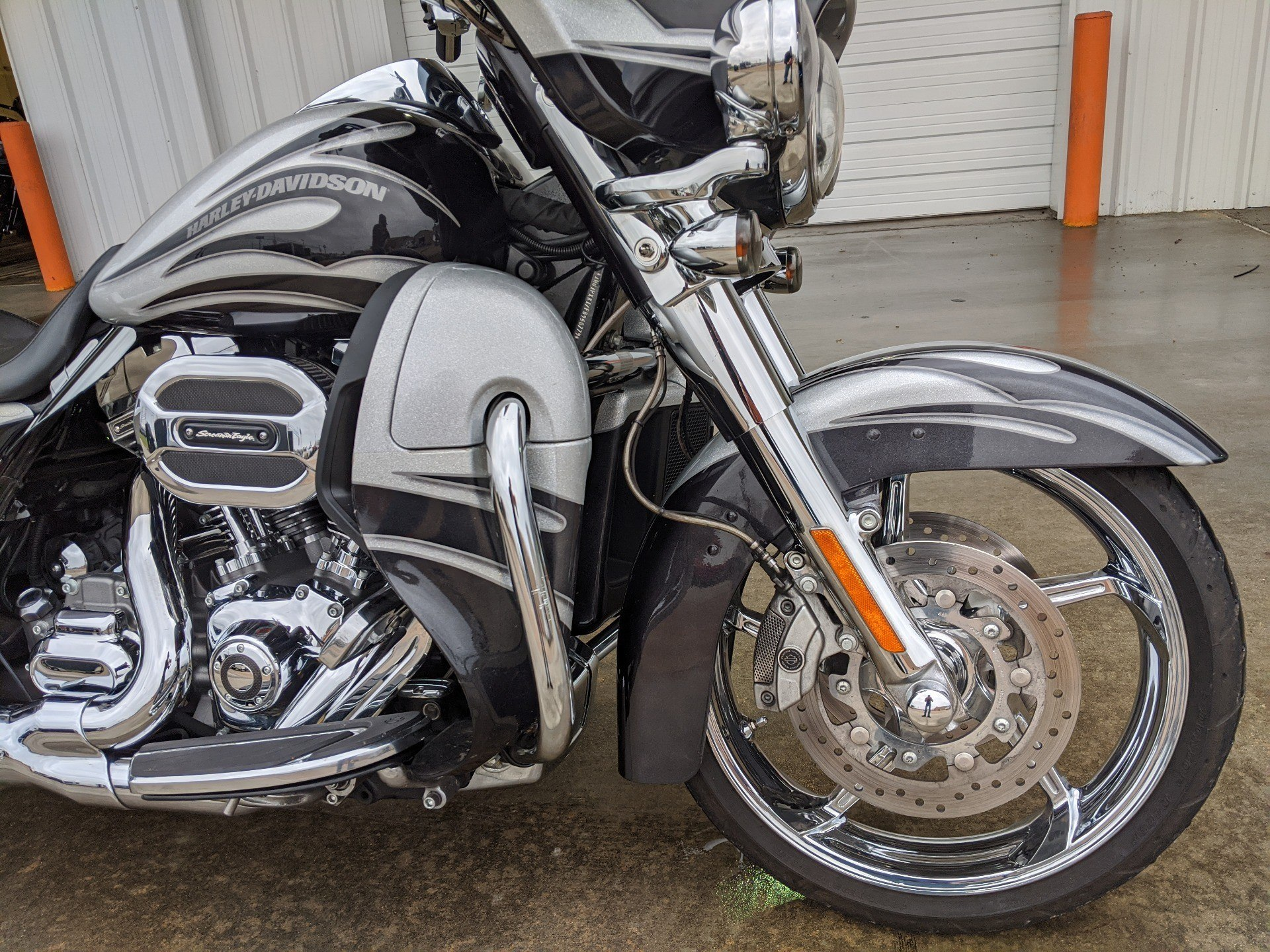 2015 Harley-Davidson CVO™ Street Glide® in Monroe, Louisiana - Photo 3
