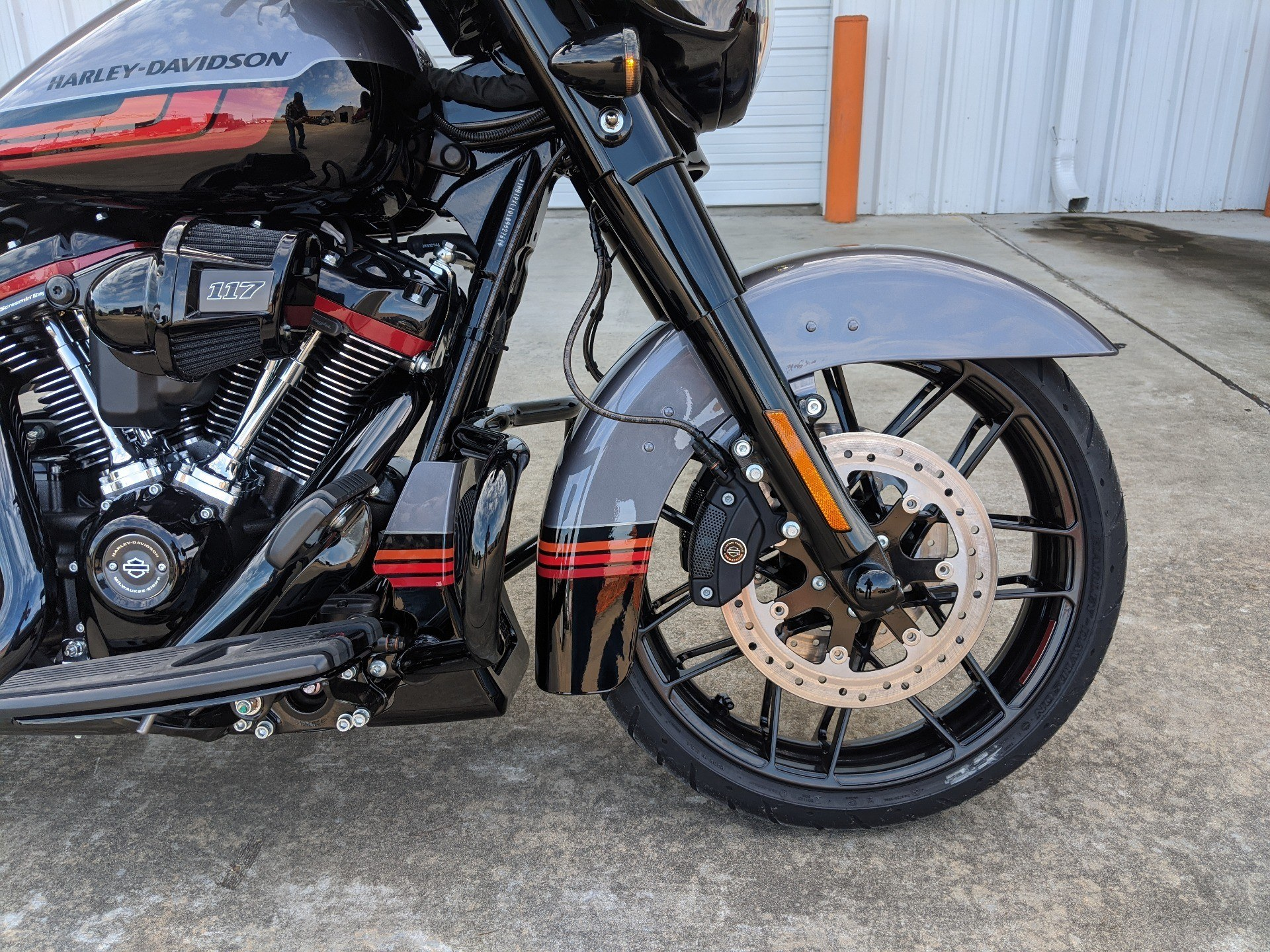 2020 Harley-Davidson CVO™ Street Glide® in Monroe, Louisiana - Photo 3