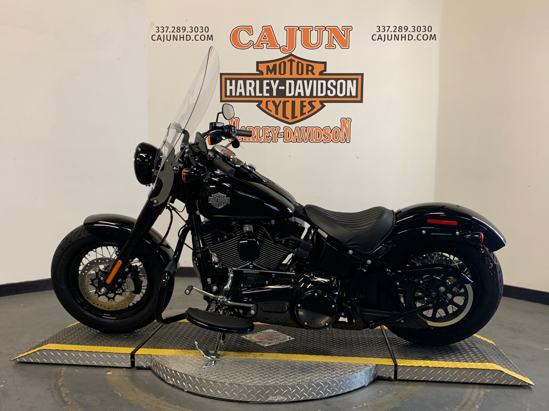 2017 Harley-Davidson Softail Slim® S in Scott, Louisiana - Photo 4