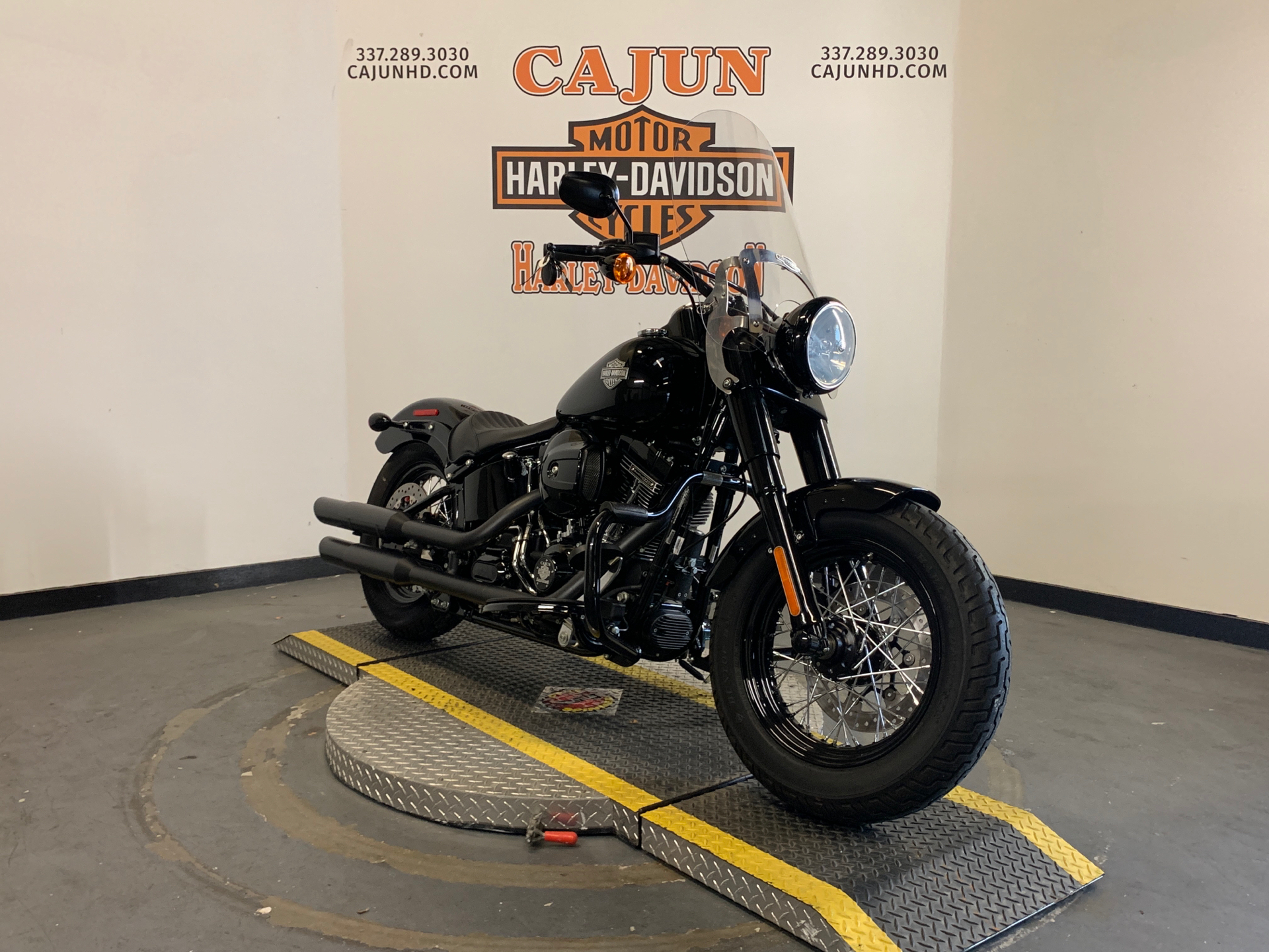 2017 Harley-Davidson Softail Slim® S in Scott, Louisiana - Photo 2