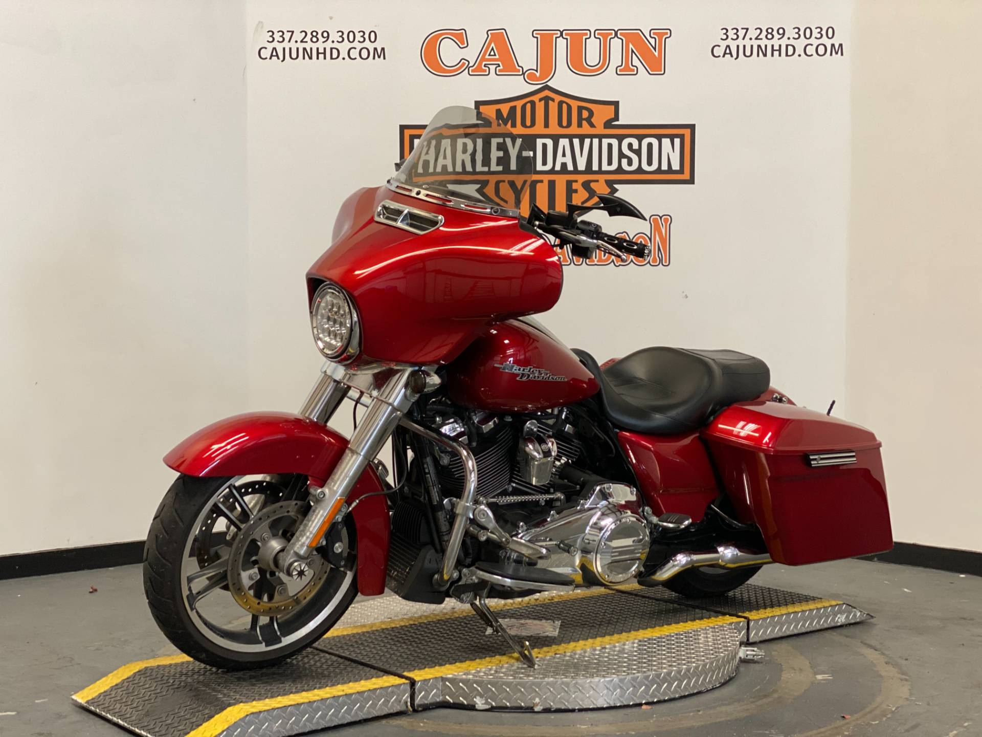 2018 Harley-Davidson Street Glide® in Scott, Louisiana - Photo 4