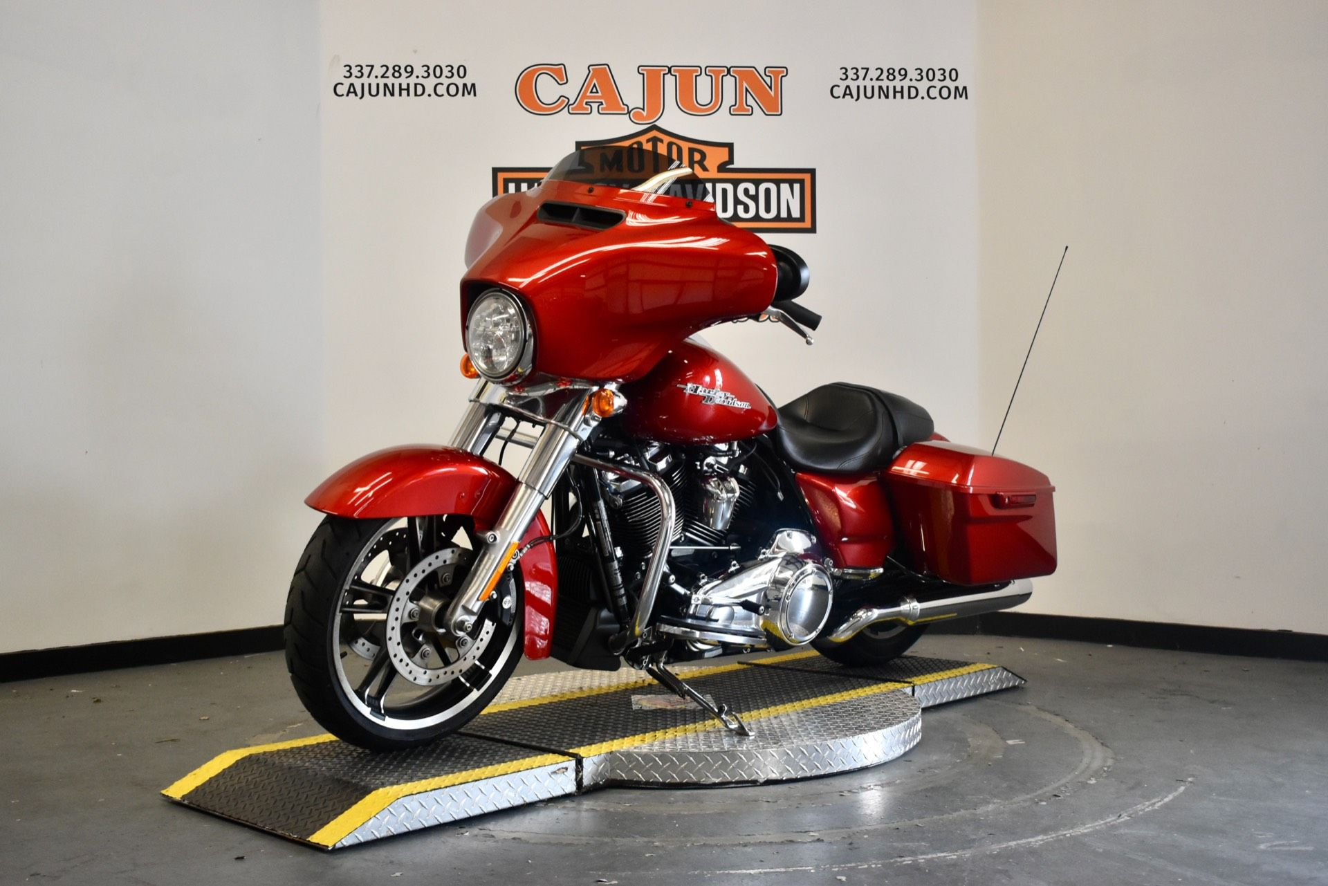 used wicked red street glide for sale - Photo 5