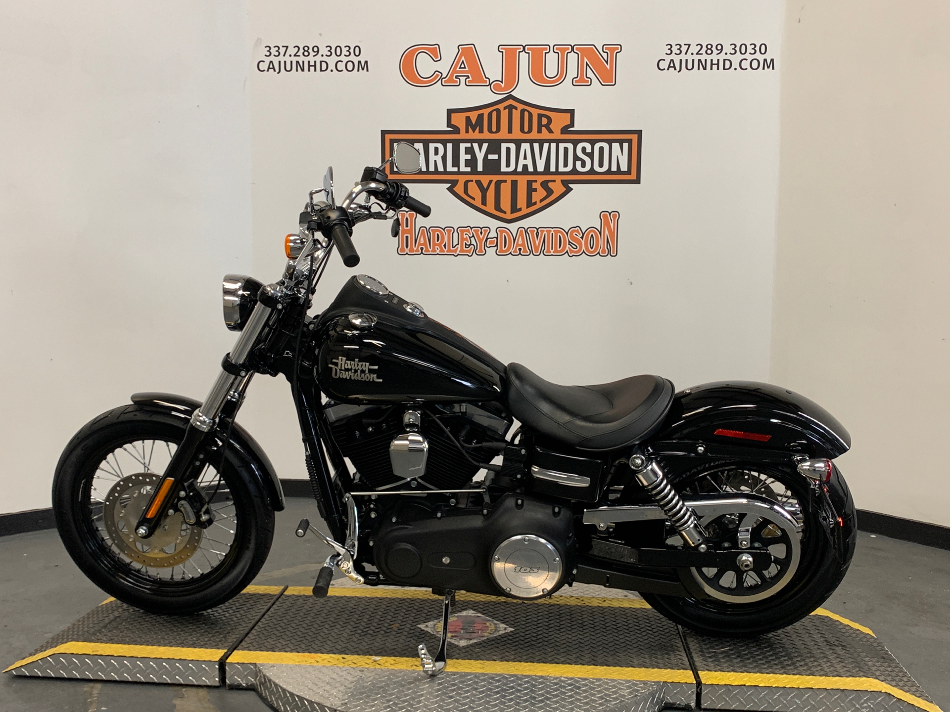 2014 Harley-Davidson Dyna® Street Bob® in Scott, Louisiana - Photo 4