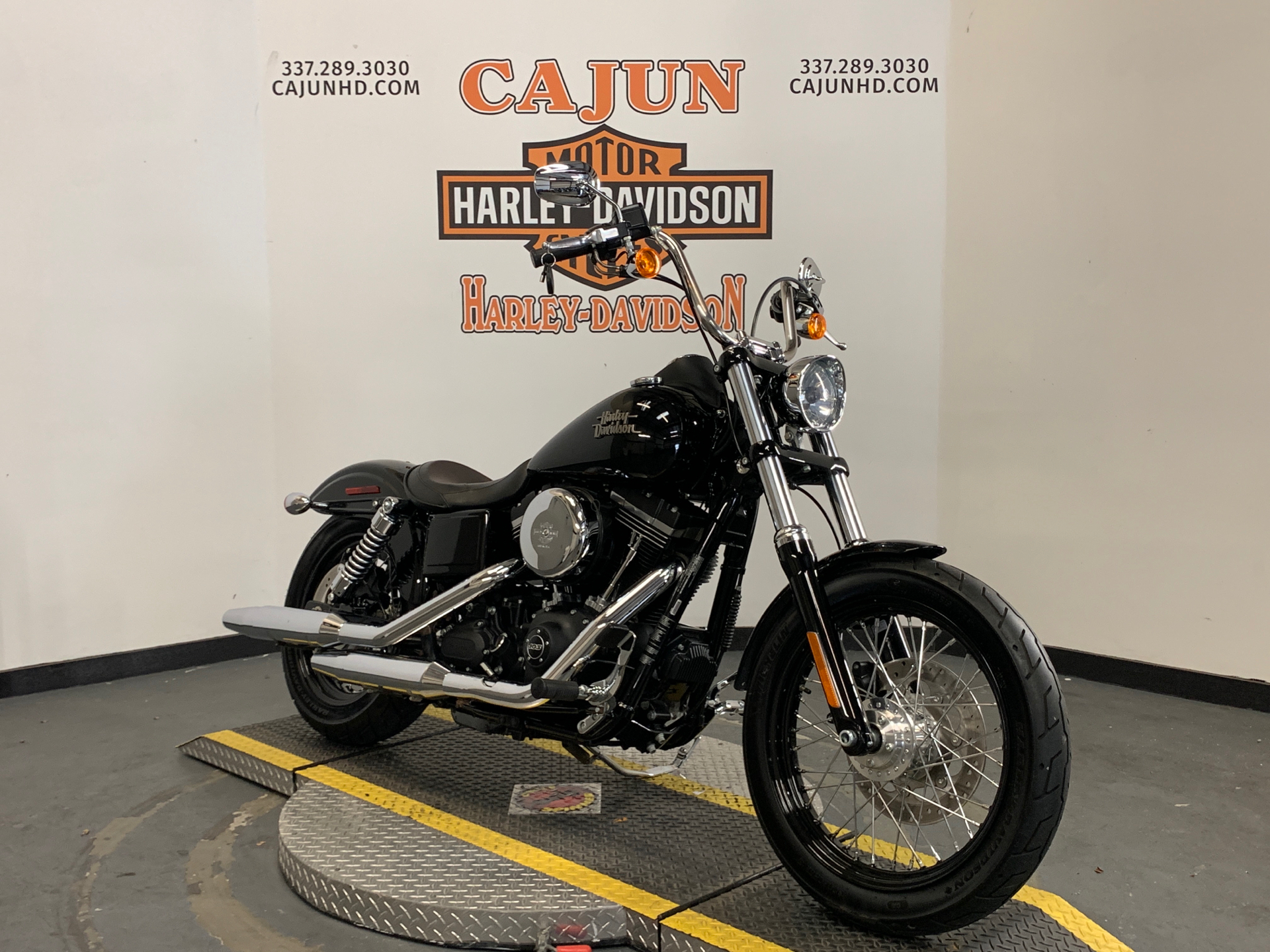 2014 Harley-Davidson Dyna® Street Bob® in Scott, Louisiana - Photo 2