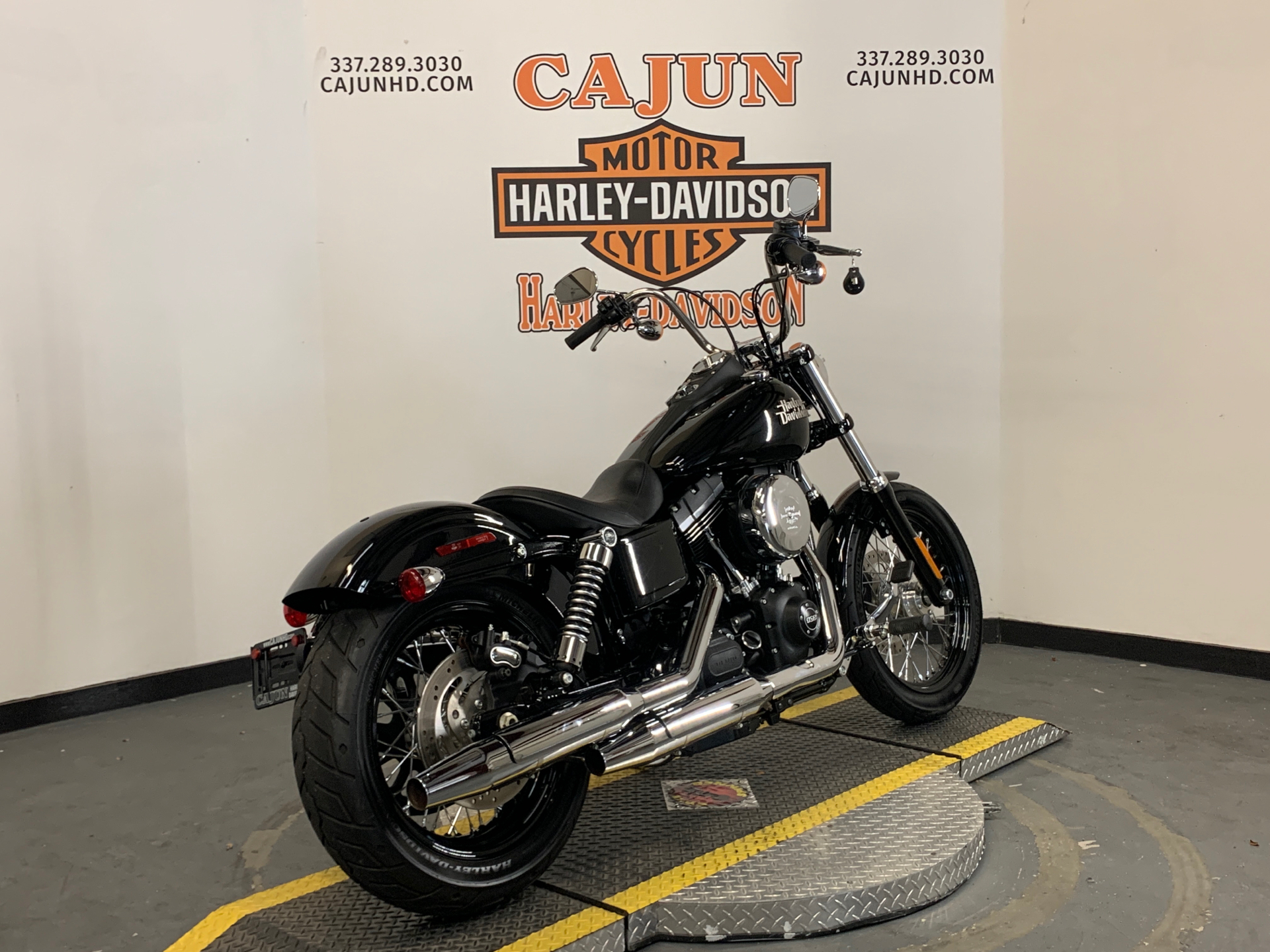 2014 Harley-Davidson Dyna® Street Bob® in Scott, Louisiana - Photo 6