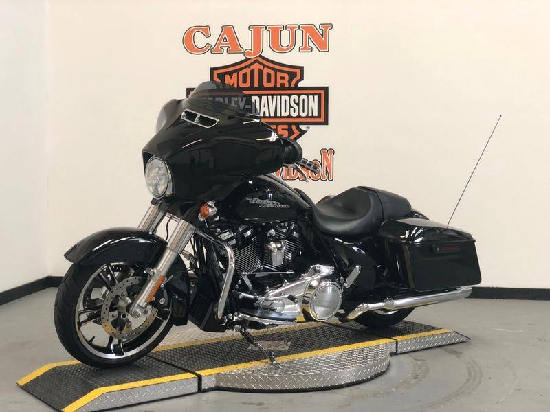 2017 Harley-Davidson Street Glide® Special in Scott, Louisiana - Photo 5