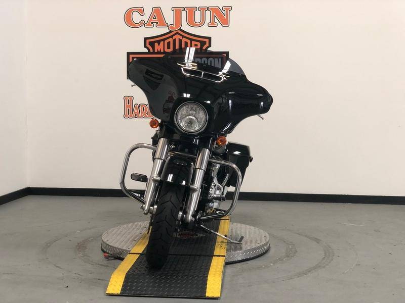 2017 Harley-Davidson Street Glide® Special in Scott, Louisiana - Photo 6