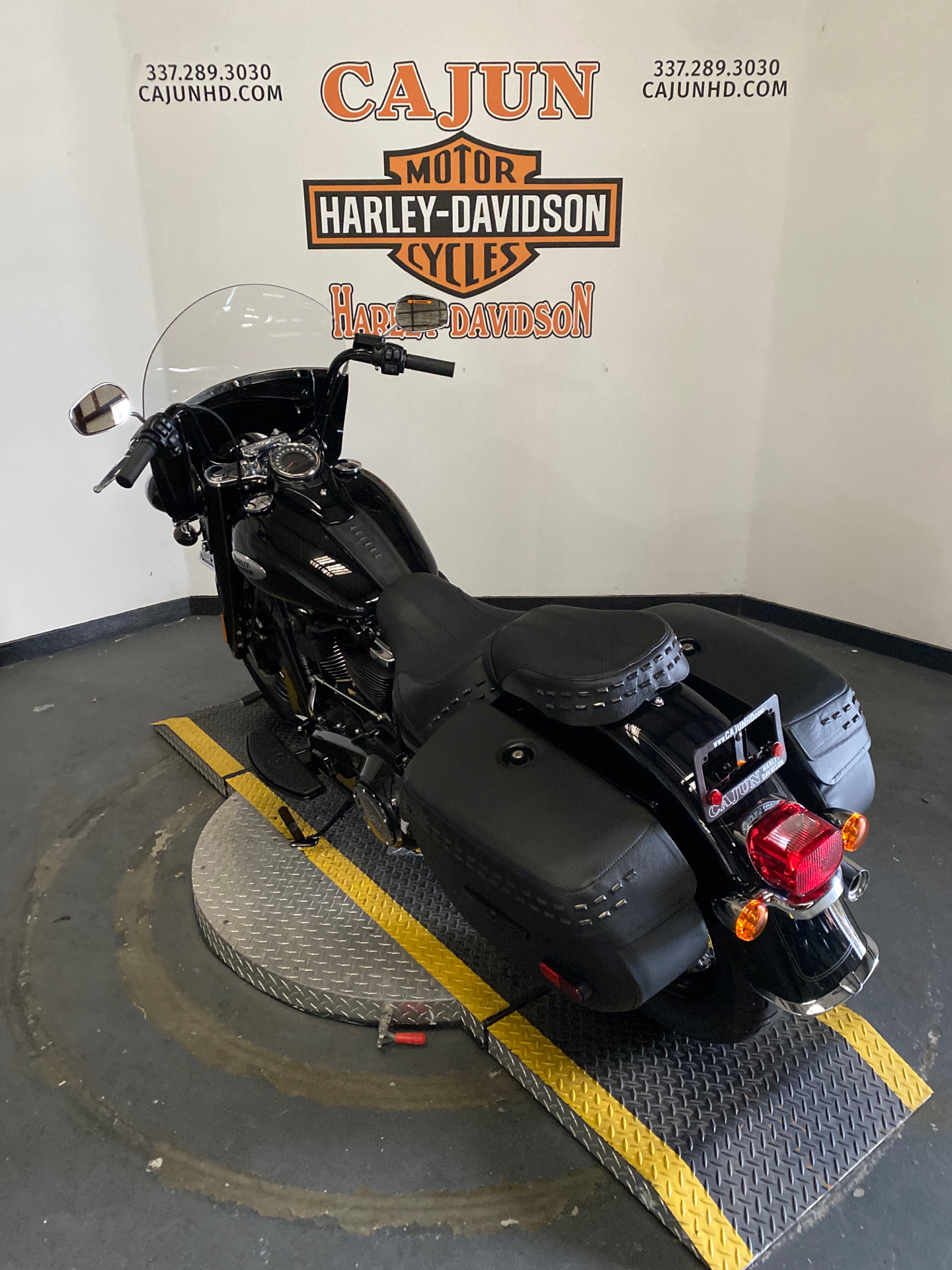 2021 Harley-Davidson Heritage Classic 114 in Scott, Louisiana - Photo 3