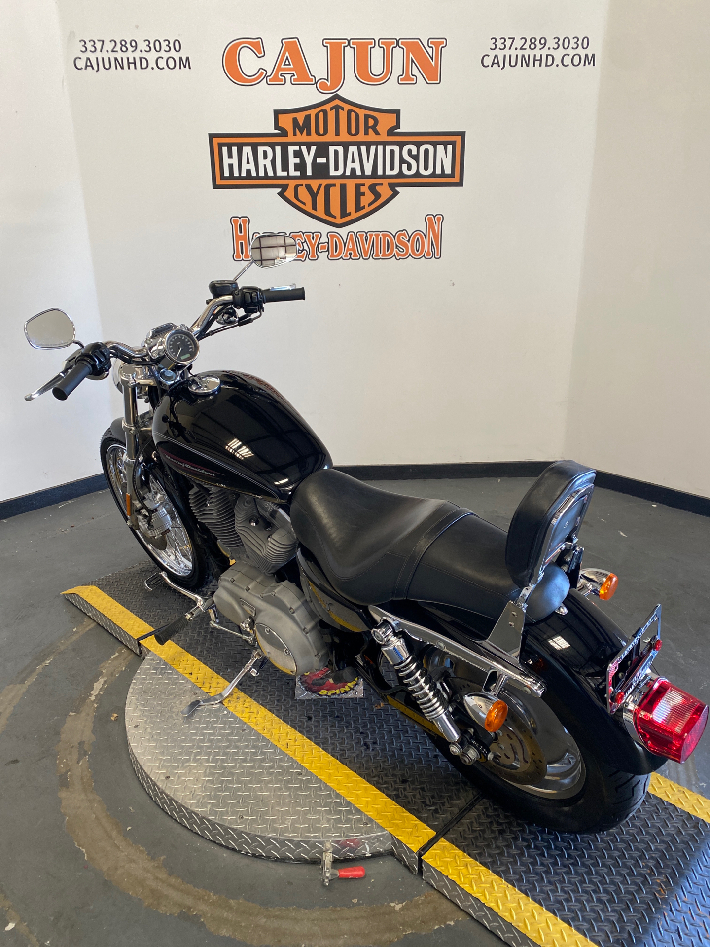2009 Harley-Davidson Sportster 883 Custom in Scott, Louisiana - Photo 3