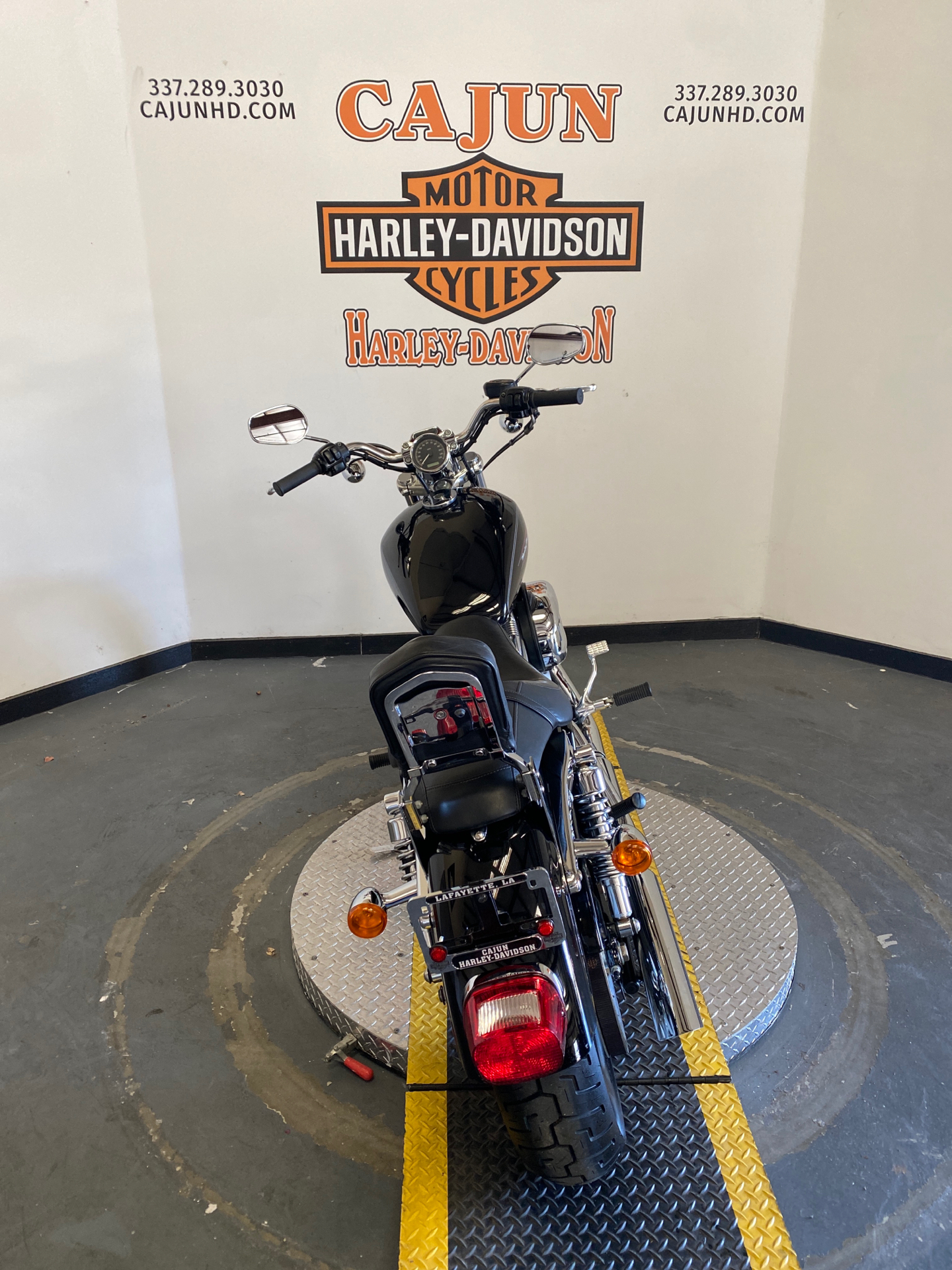 2009 Harley-Davidson Sportster 883 Custom in Scott, Louisiana - Photo 8
