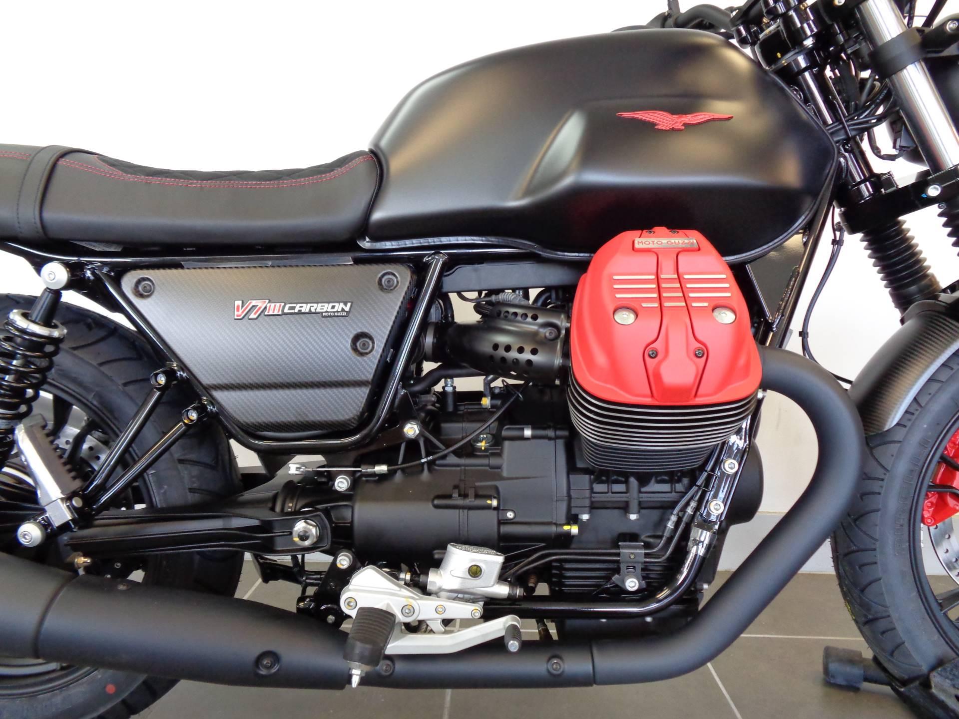 2018 Moto Guzzi V7 III Carbon Dark 3