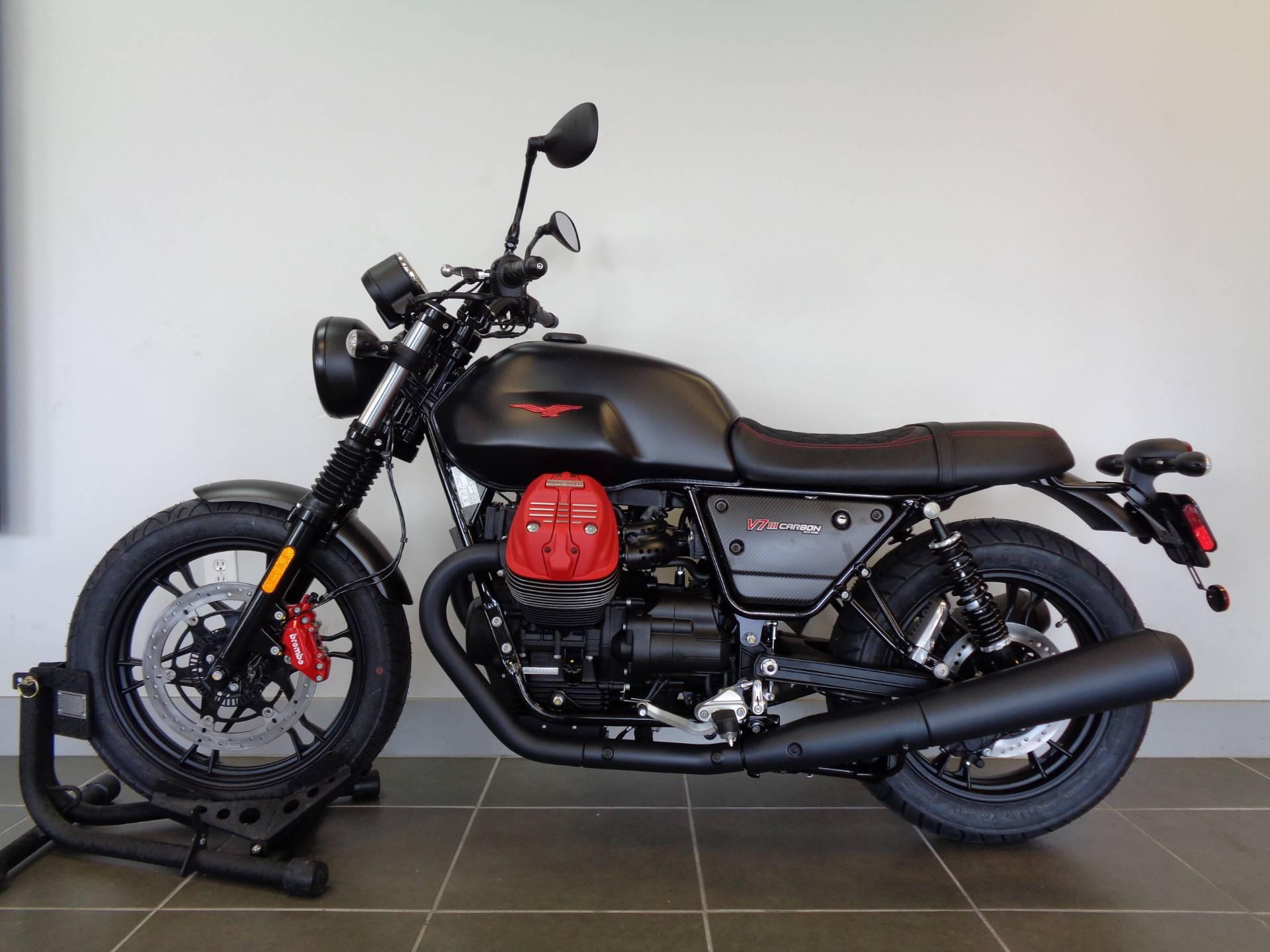2018 Moto Guzzi V7 III Carbon Dark 11