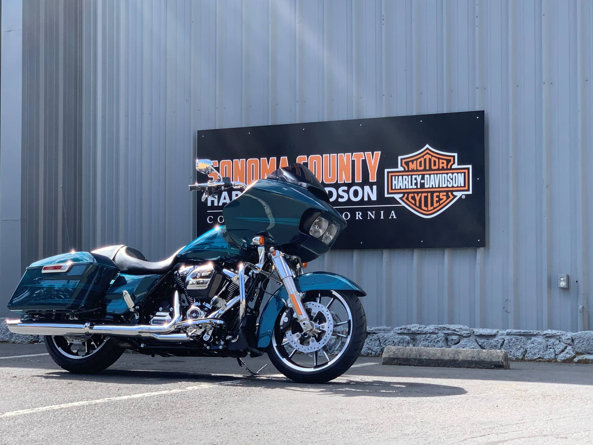 2020 Harley-Davidson Road Glide® in Cotati, California - Photo 2