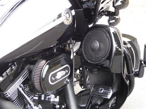 2012 Harley-Davidson CVO™ Road Glide® Custom in Cotati, California - Photo 5
