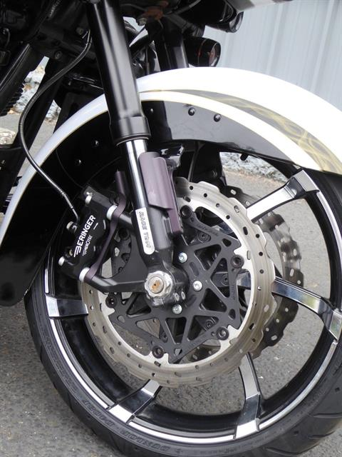 2012 Harley-Davidson CVO™ Road Glide® Custom in Cotati, California - Photo 9