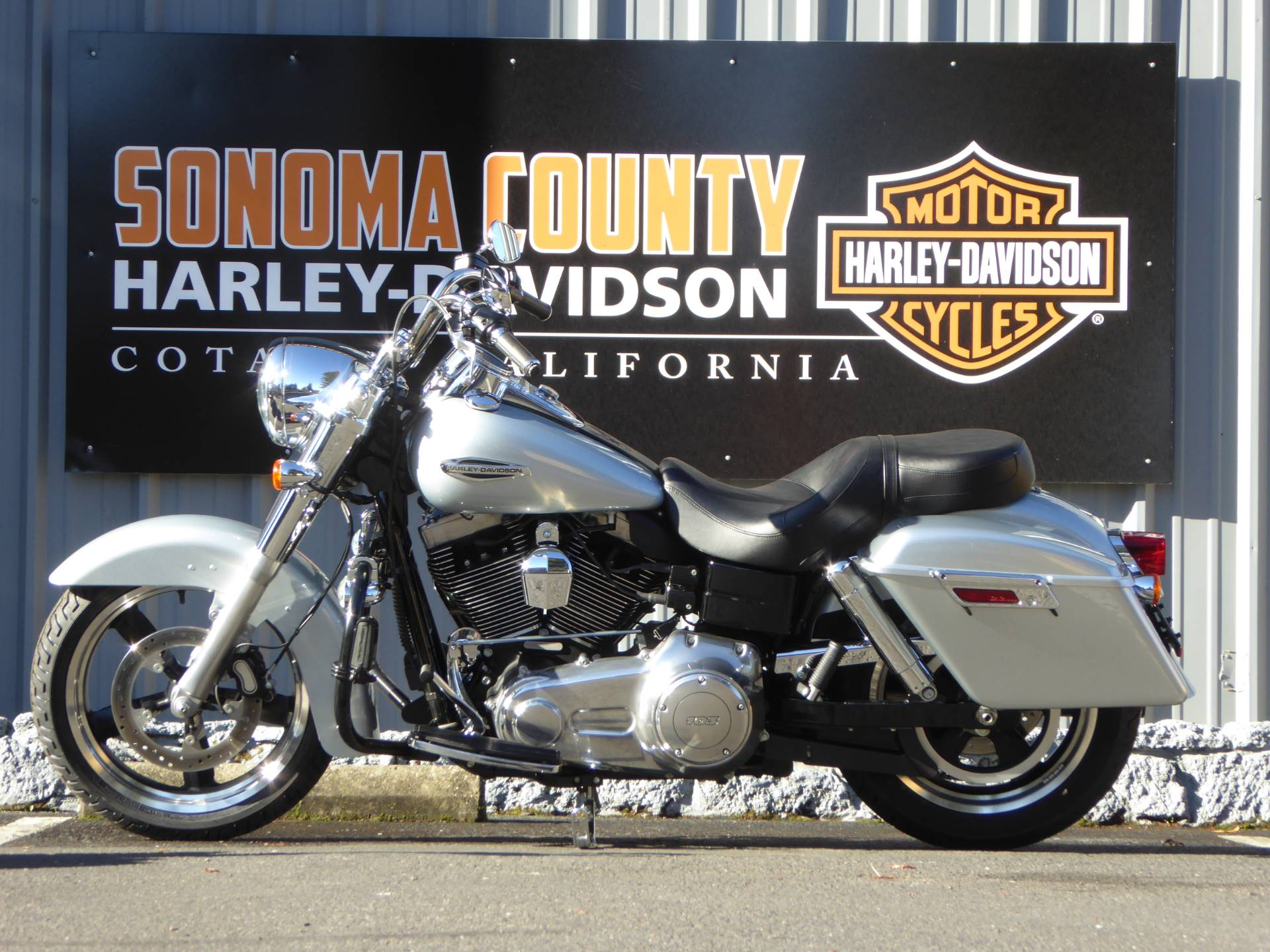 2012 Harley-Davidson DYNA SWITCHBACK in Cotati, California - Photo 6