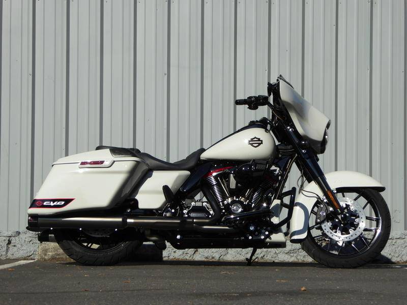 2020 Harley-Davidson CVO™ Street Glide® in Cotati, California - Photo 7