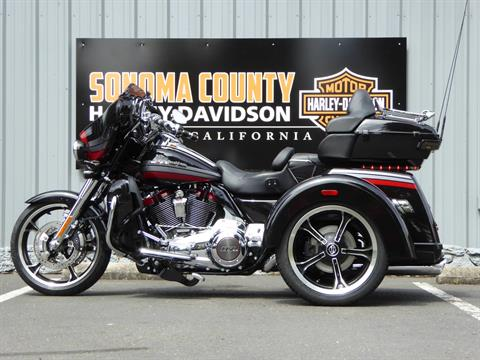 2020 Harley-Davidson CVO™ Tri Glide® in Cotati, California - Photo 5