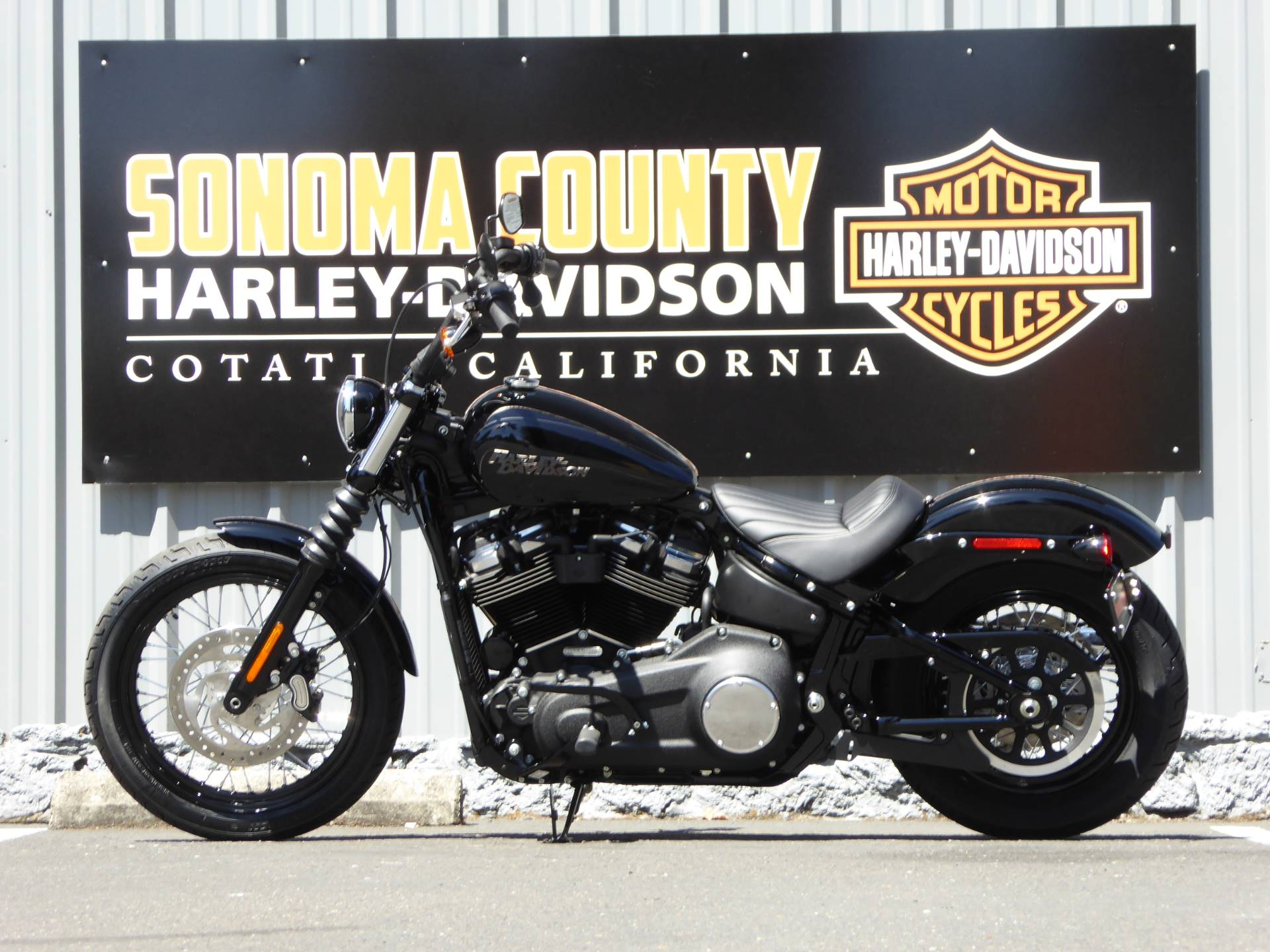 2020 Harley-Davidson FXBB Street Bob in Cotati, California - Photo 3