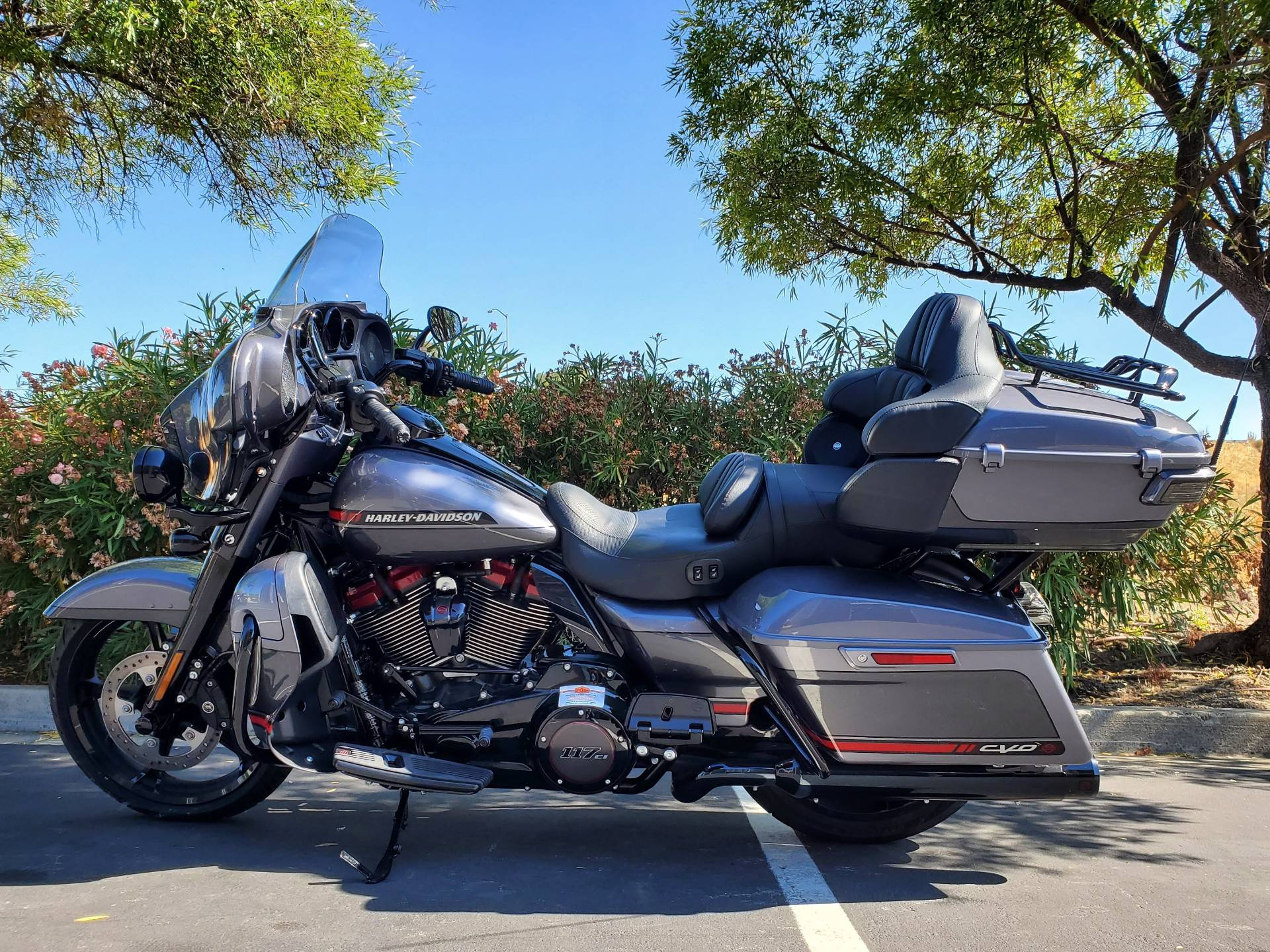 2020 Harley-Davidson CVO™ Limited in Livermore, California - Photo 2