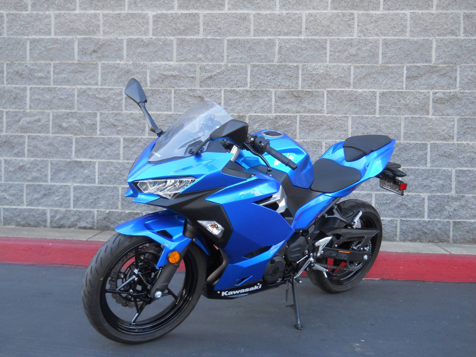 2018 Kawasaki Ninja 400 in Livermore, California - Photo 4