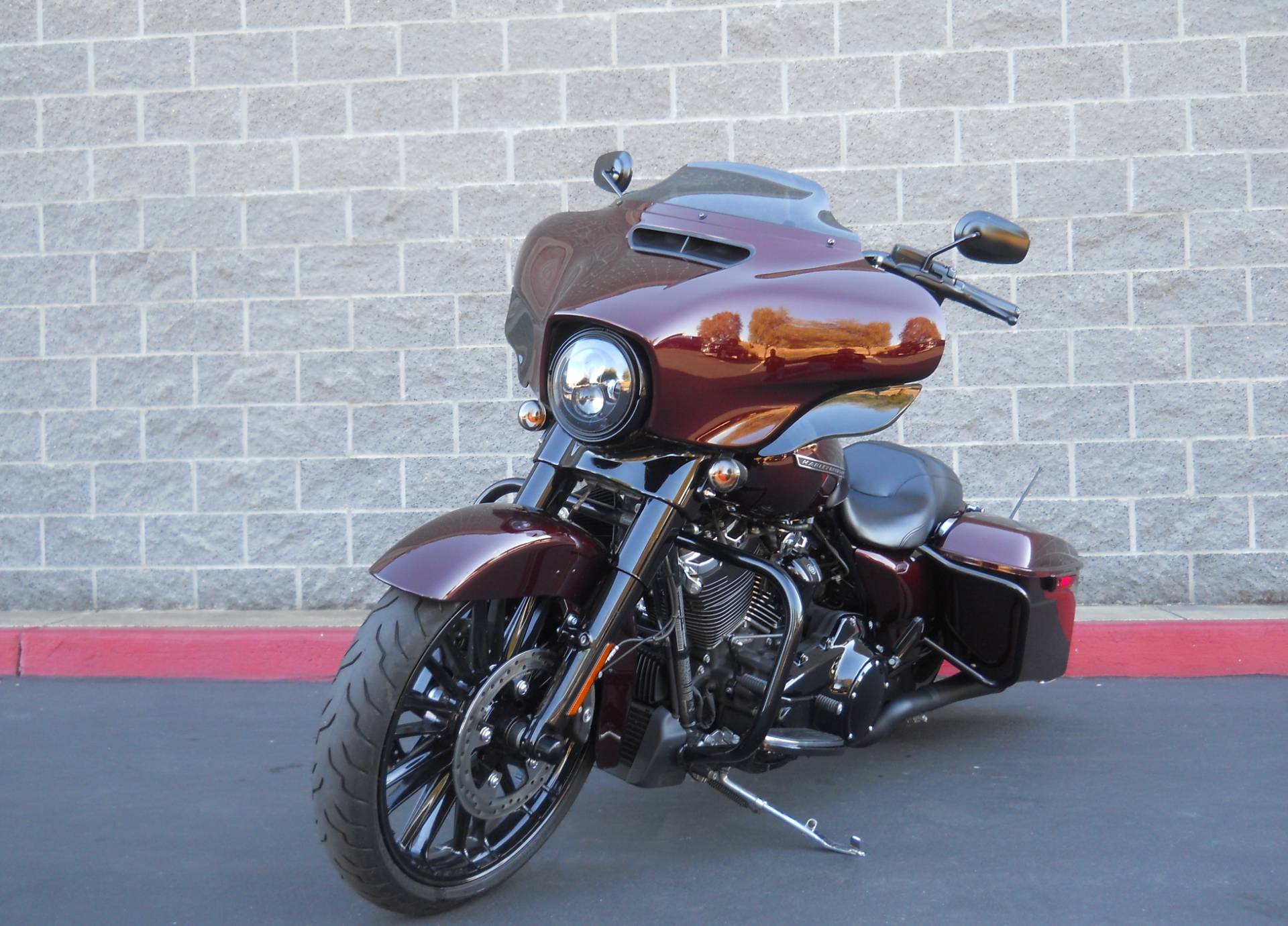 2018 Harley-Davidson Street Glide® Special in Livermore, California - Photo 2