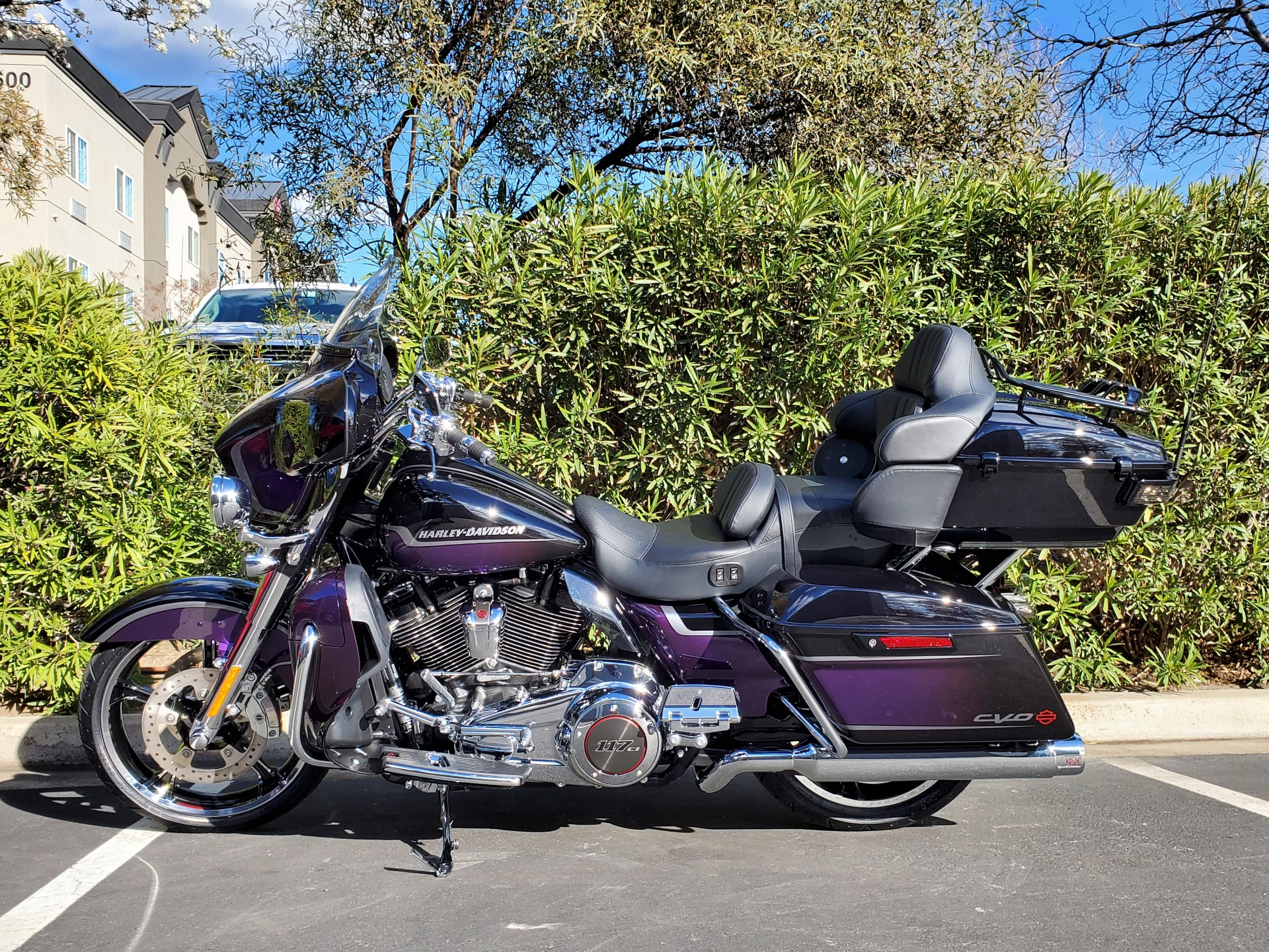 2021 Harley-Davidson CVO™ Limited in Livermore, California - Photo 2