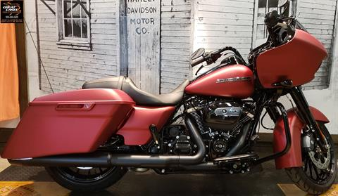 2019 Harley-Davidson Road Glide® Special in Bay City, Michigan - Photo 2