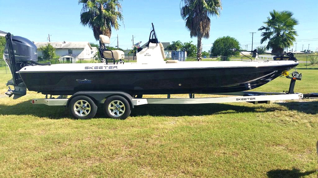 2014 Skeeter SX 240 in Boerne, Texas