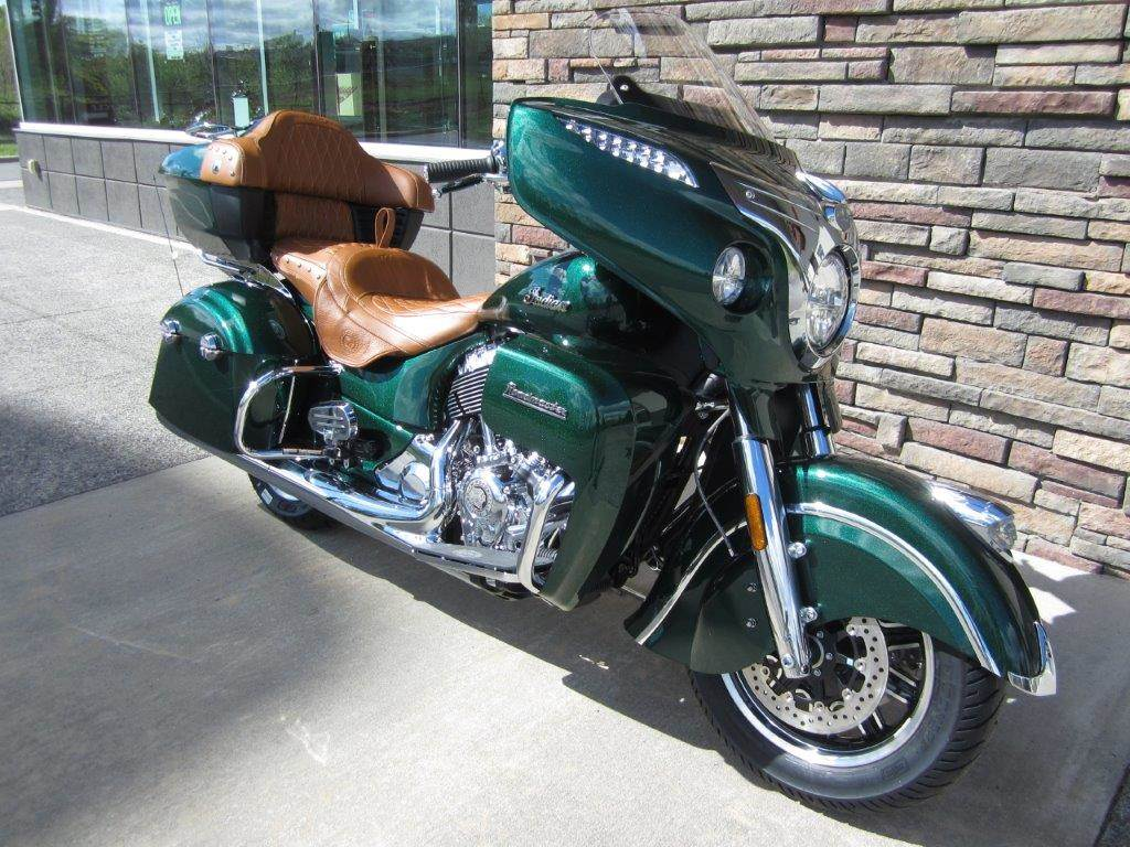 2017 Indian Roadmaster® Icon Series in Lowell, North Carolina