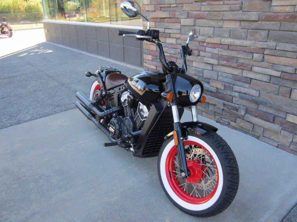 2018 Indian Scout Bobber Signature Edition in Lowell, North Carolina