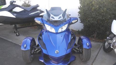 2012 Can-Am Spyder® RT Audio & Convenience SE5 in Victorville, California