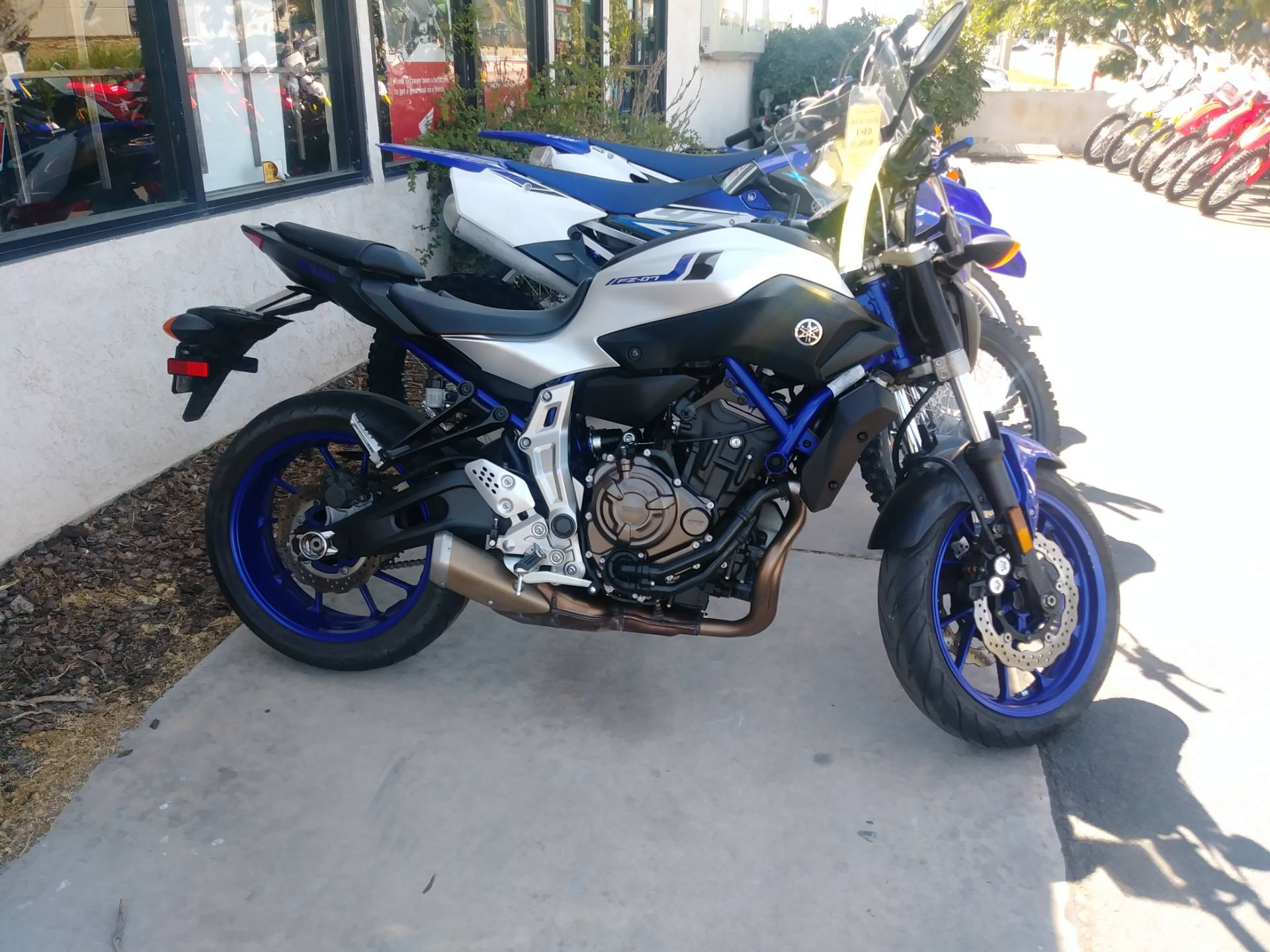 2016 Yamaha FZ-07 in Victorville, California - Photo 1