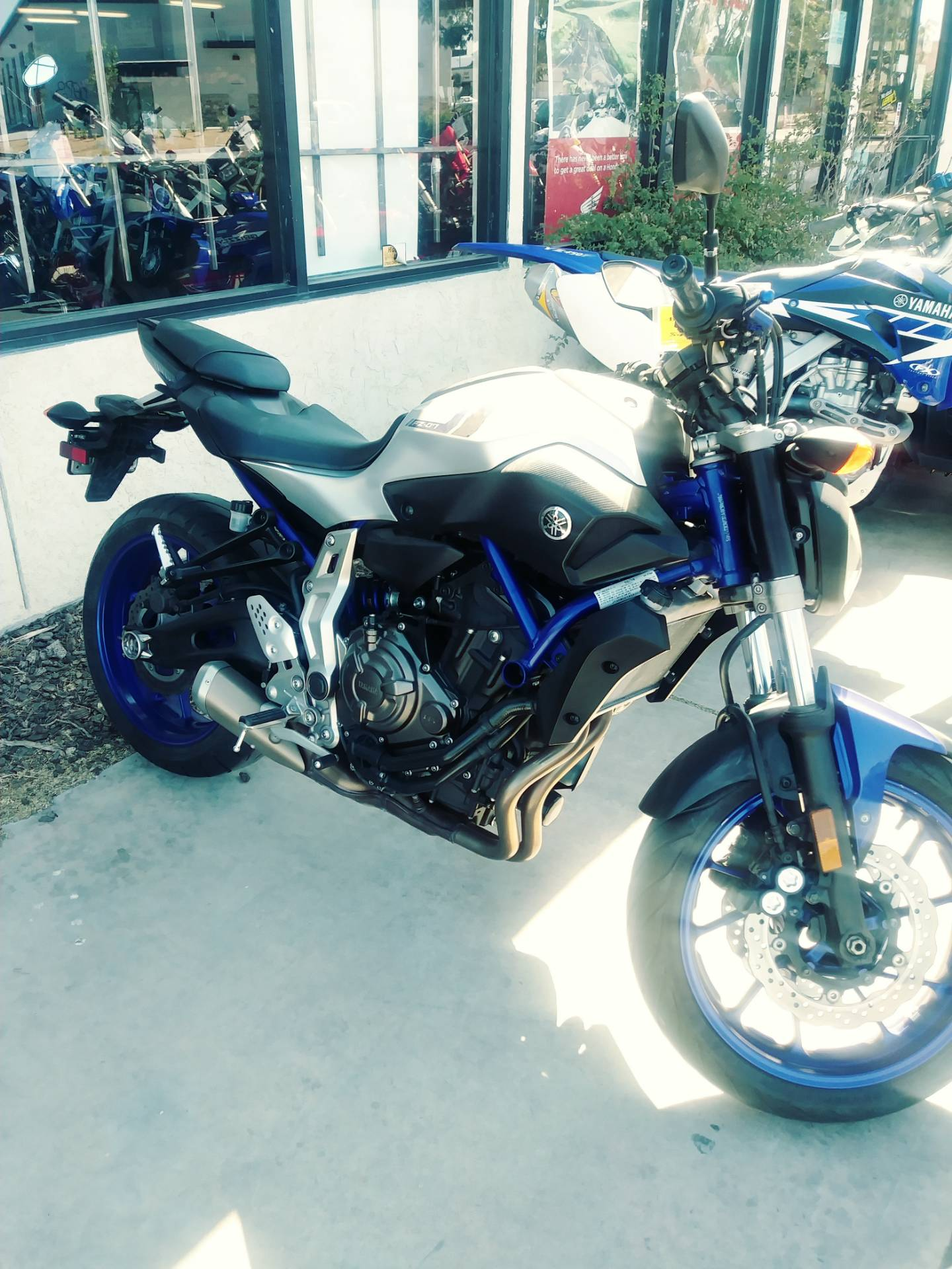2016 Yamaha FZ-07 in Victorville, California - Photo 2